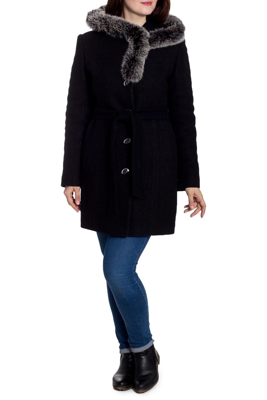 ПальтоПальто<br>Удлиненное зимнее пальто с отделкой из меха. Модель на подкладе, выполнена из плотной пальтовой ткани. Отличный выбор для повседневного гардероба. Ростовка изделия 164 см. Пальто без пояса.  В изделии использованы цвета: черный  Рост девушки-фотомодели 180 см<br><br>Застежка: С пуговицами<br>По длине: До колена<br>По материалу: Пальтовая ткань,Шерсть<br>По образу: Город<br>По рисунку: Однотонные<br>По силуэту: Прямые<br>По стилю: Повседневный стиль<br>По элементам: С декором,С капюшоном,С карманами<br>Рукав: Длинный рукав<br>По сезону: Зима<br>Размер : 50<br>Материал: Пальтовая ткань<br>Количество в наличии: 1