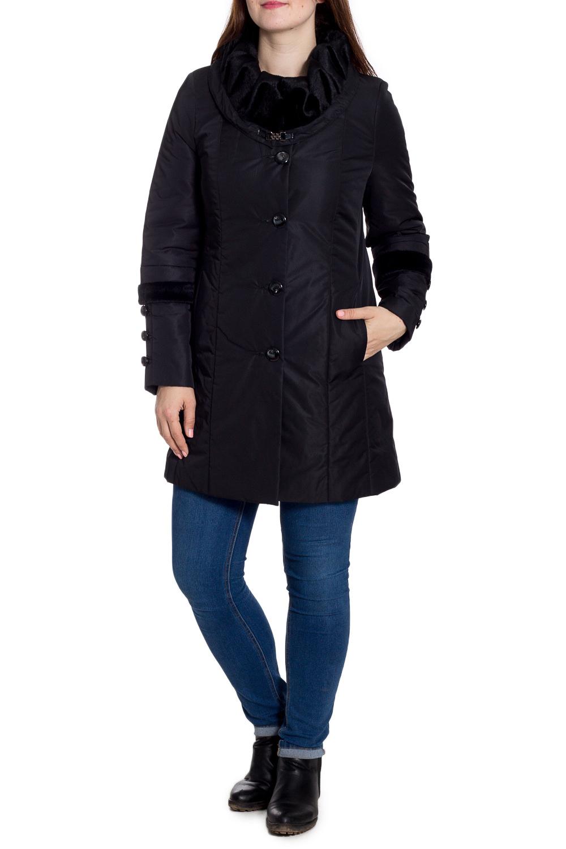 ПальтоПальто<br>Красивое зимнее пальто с отделкой из искусственного меха. Модель на подкладе, выполнена из плотной болоньи. Отличный выбор для повседневного гардероба. Ростовка изделия 164 см.  В изделии использованы цвета: черный  Рост девушки-фотомодели 180 см<br><br>Воротник: Фантазийный<br>Застежка: С пуговицами<br>По длине: До колена<br>По материалу: Тканевые<br>По рисунку: Однотонные<br>По силуэту: Прямые<br>По стилю: Повседневный стиль<br>По элементам: С декором,С карманами<br>Рукав: Длинный рукав<br>По сезону: Зима<br>Размер : 48<br>Материал: Болонья<br>Количество в наличии: 1
