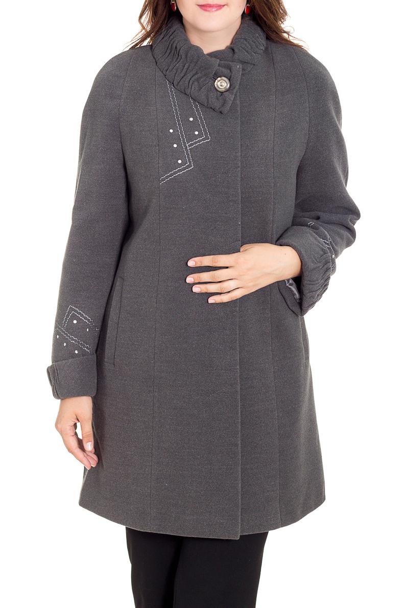 ПальтоПальто<br>Демисезонные женские пальто – это отличный выбор для весны и осени. Теплые и уютные изделия создадут невероятно стильный, утонченный и женственный образ.  Пальто с длинными рукавами и воротником.  Цвет: серый.  Рост девушки-фотомодели 180 см<br><br>Воротник: Фантазийный<br>По длине: До колена<br>По материалу: Пальтовая ткань,Шерсть<br>По образу: Город<br>По рисунку: Однотонные<br>По силуэту: Полуприталенные<br>По стилю: Классический стиль,Кэжуал,Офисный стиль,Повседневный стиль<br>По элементам: С воротником,С декором,С карманами,С манжетами,С отделочной фурнитурой<br>Рукав: Длинный рукав<br>По сезону: Осень,Весна<br>Размер : 50,52,54,56,58,60,62<br>Материал: Пальтовая ткань<br>Количество в наличии: 3