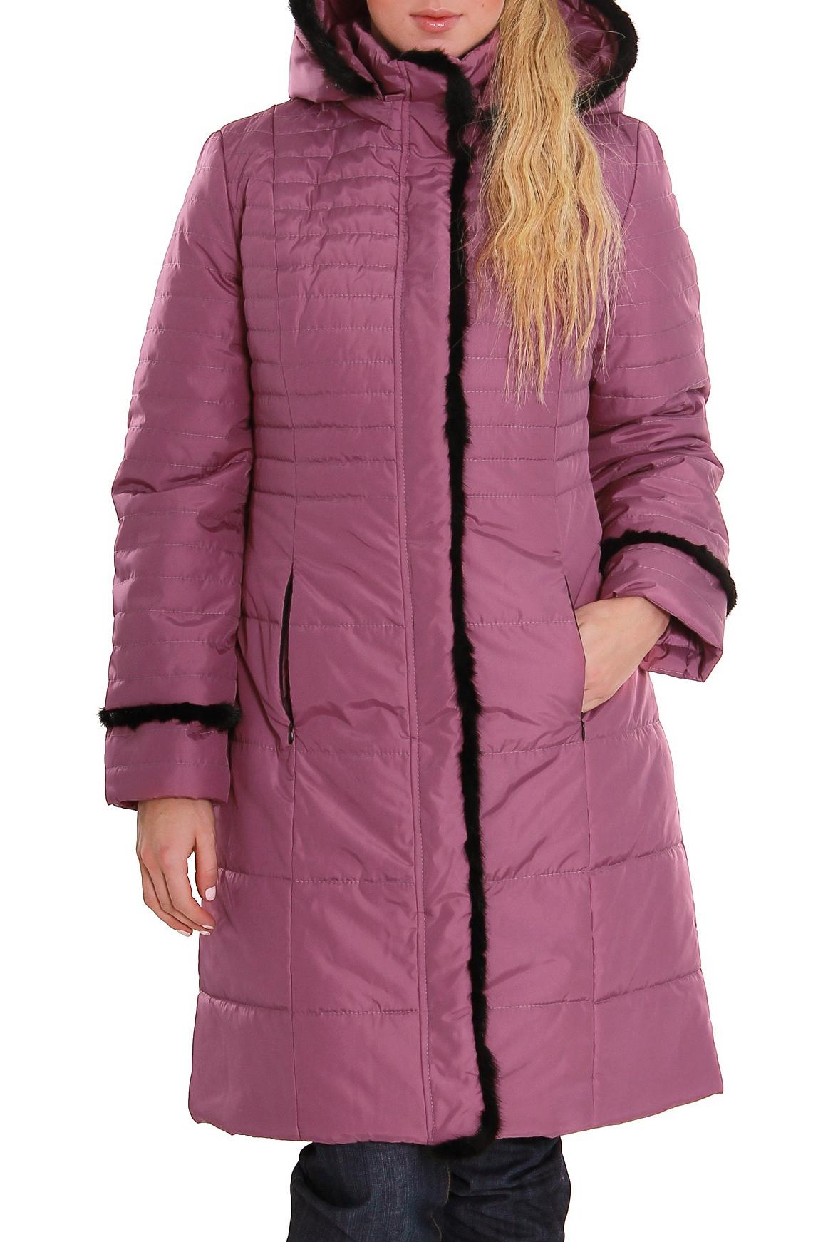 ПальтоКуртки<br>Зимнее пальто полуприталенного силуэта, длинной до колена, с карманами, застежка на молнию. Модель с контрастной отделкой из меха. Ростовка изделия 170 см.  В изделии использованы цвета: розовый, черный  Рост девушки-фотомодели 170 см<br><br>Воротник: Стойка<br>Застежка: С молнией<br>По длине: Средней длины<br>По материалу: Тканевые<br>По рисунку: Однотонные<br>По силуэту: Полуприталенные<br>По стилю: Повседневный стиль<br>По элементам: С декором,С карманами<br>Рукав: Длинный рукав<br>По сезону: Зима<br>Размер : 44,46,48,50,52,54<br>Материал: Болонья<br>Количество в наличии: 6