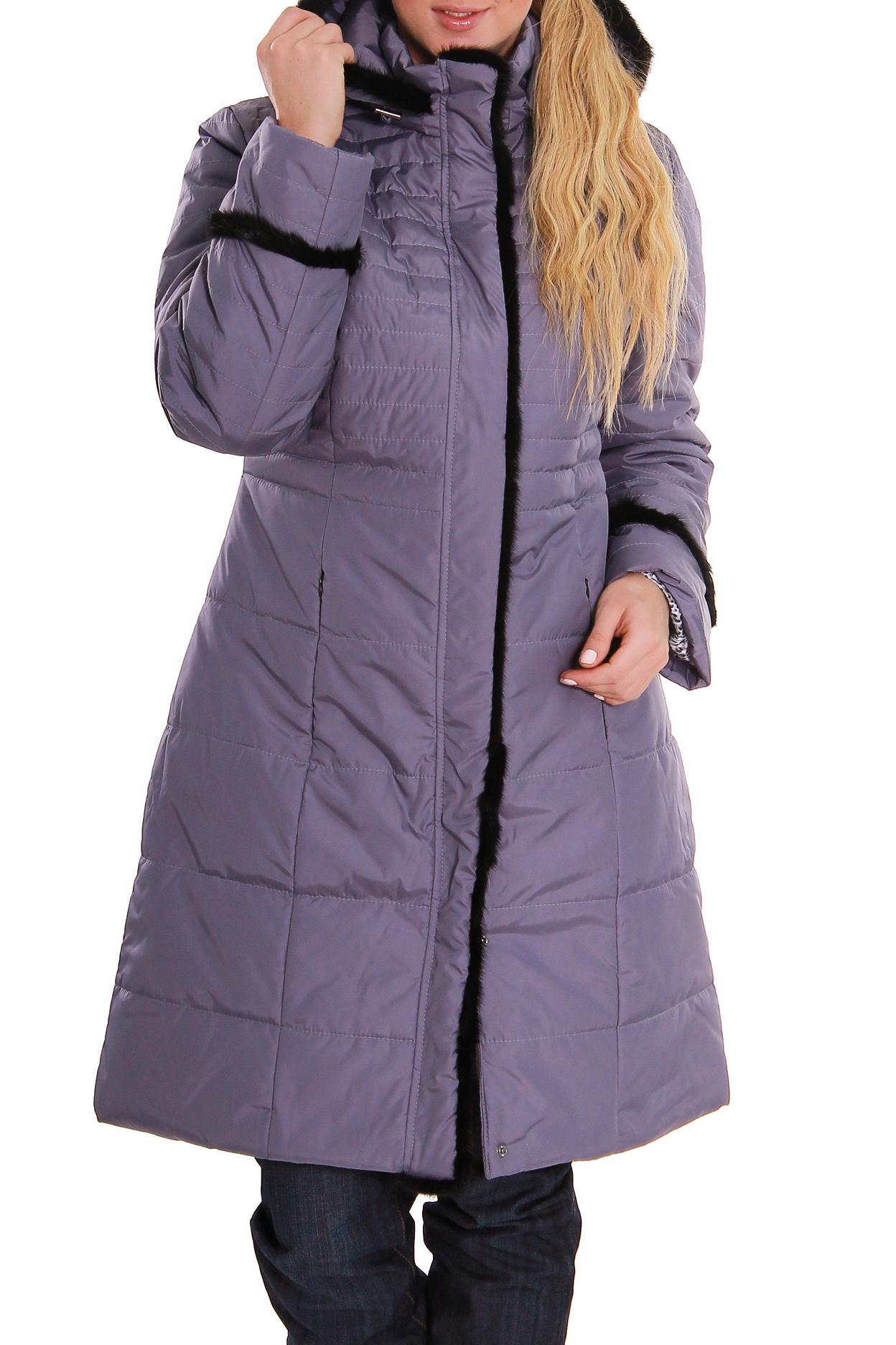 ПальтоКуртки<br>Зимнее пальто полуприталенного силуэта, длинной до колена, с карманами, застежка на молнию. Модель с контрастной отделкой из меха. Ростовка изделия 170 см.  В изделии использованы цвета: сиреневый, черный  Рост девушки-фотомодели 170 см<br><br>Воротник: Стойка<br>Застежка: С молнией<br>По длине: Средней длины<br>По материалу: Тканевые<br>По образу: Город<br>По рисунку: Однотонные<br>По силуэту: Полуприталенные<br>По стилю: Повседневный стиль<br>По элементам: С декором,С карманами<br>Рукав: Длинный рукав<br>По сезону: Зима<br>Размер : 46<br>Материал: Болонья<br>Количество в наличии: 1