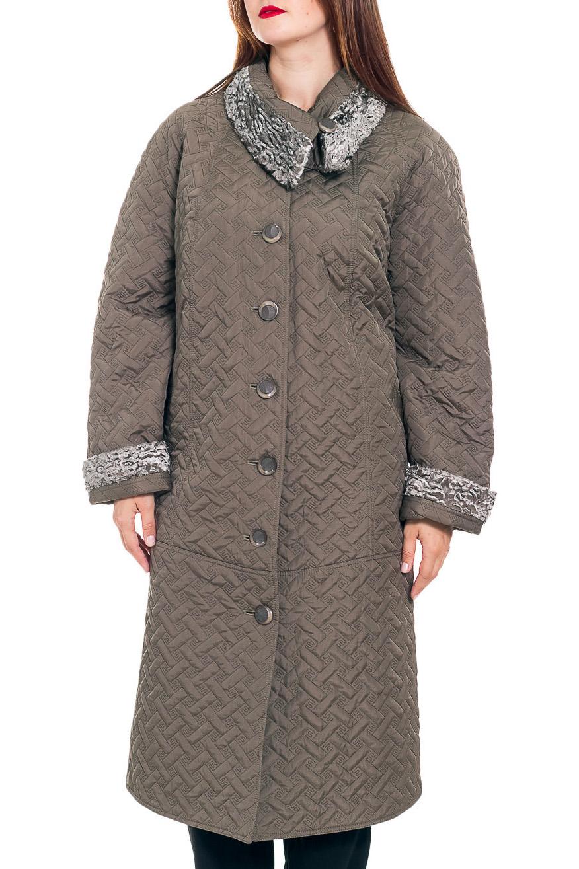 ПальтоПальто<br>Демисезонное пальто длиной ниже колена с отложным воротником и застежкой на пуговицы. Модель выполнена из плотной плащевой ткани. Отличный выбор для повседневного гардероба.  В изделии использованы цвета: бежево-болотный  Рост девушки-фотомодели 180 см<br><br>Воротник: Отложной<br>Застежка: С пуговицами<br>По длине: Ниже колена<br>По материалу: Пальтовая ткань<br>По рисунку: Однотонные,Фактурный рисунок<br>По силуэту: Полуприталенные<br>По стилю: Повседневный стиль<br>По элементам: С карманами,С манжетами<br>Рукав: Длинный рукав<br>По сезону: Осень,Весна<br>Размер : 62,66<br>Материал: Плащевая ткань<br>Количество в наличии: 4