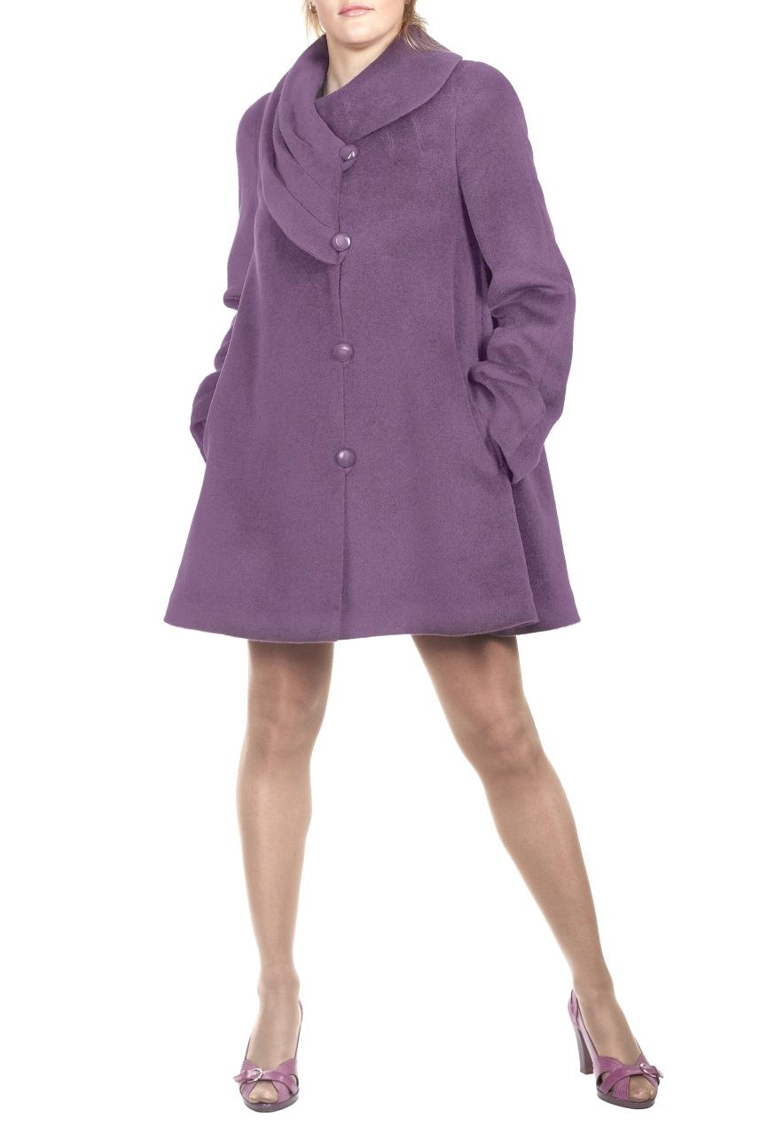 ПальтоПальто<br>Пальто трапециевидного силуэта с цельнокроенным рукавом. На переде обработаны прорезные карманы с листочкой. Низ рукава декорирован складками, которые закреплены пуговицей. Воротник ассметричный, с защипами. Застежка смещенная на навесные петли. Тефлоновое покрытие обладает свойством отталкивания влаги, что защищает изделие от промокания даже при сильном дожде.  Цвет: сиреневый  Ростовка изделия 170 см.<br><br>Воротник: Фантазийный<br>Застежка: С пуговицами<br>По длине: До колена<br>По материалу: Пальтовая ткань,Шерсть<br>По рисунку: Однотонные<br>По силуэту: Свободные<br>По стилю: Повседневный стиль<br>По элементам: С декором,С карманами<br>Рукав: Длинный рукав<br>По сезону: Осень,Весна<br>Размер : 44,46,48,52<br>Материал: Пальтовая ткань<br>Количество в наличии: 4