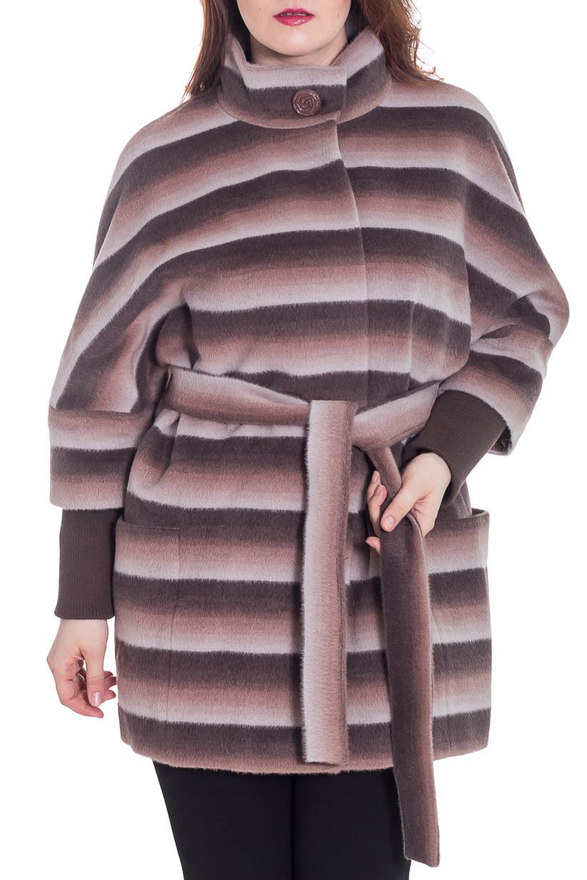 ПальтоПальто<br>Демисезонное пальто свободного силуэта с рукавами 3/4 и трикотажной манжетой, длинной выше колена, застежка на пуговицы. Пальто без пояса.  Цвет: коричневый, бежевый, белый  Ростовка изделия 164 см.  Рост девушки-фотомодели 180 см<br><br>Воротник: Стойка<br>Застежка: С пуговицами<br>По длине: До колена<br>По материалу: Пальтовая ткань,Шерсть<br>По рисунку: В полоску,С принтом,Цветные<br>По силуэту: Свободные<br>По стилю: Повседневный стиль<br>По элементам: С карманами<br>Рукав: Рукав три четверти<br>По сезону: Осень,Весна<br>Размер : 42,46,52<br>Материал: Пальтовая ткань<br>Количество в наличии: 3