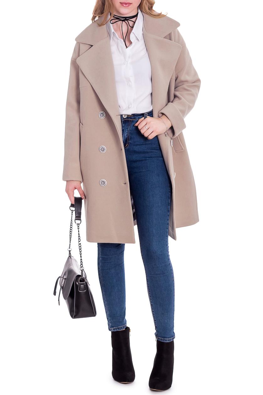 ПальтоПальто<br>Классика и элегантность - это залог успеха для создания Вашего повседневного образа. Дополните это стильное пальто модными аксессуарами и завершите образ девушки с обложки  Пальто прямого силуэта, двубортное. На передней части изделия карманы с листочкой. На спинке средний шов. Воротник пиджачного типа. Рукав рубашечный, длинный, со спущенной линией плеча.  Цвет: бежевый.  Длина рукава (от конечной плечевой точки) - 61 ± 1 см  Рост девушки-фотомодели 165 см  Длина изделия - 87 ± 2 см<br><br>Воротник: Стояче-отложной<br>Горловина: V- горловина,Запах<br>Застежка: С пуговицами<br>По длине: До колена<br>По материалу: Пальтовая ткань<br>По образу: Город<br>По рисунку: Однотонные<br>По силуэту: Прямые<br>По стилю: Классический стиль,Кэжуал,Молодежный стиль,Офисный стиль,Повседневный стиль,Ультрамодный стиль<br>По элементам: С воротником,С карманами,С отделочной фурнитурой<br>Рукав: Длинный рукав<br>По сезону: Осень,Весна<br>Размер : 46,48,52<br>Материал: Пальтовая ткань<br>Количество в наличии: 3