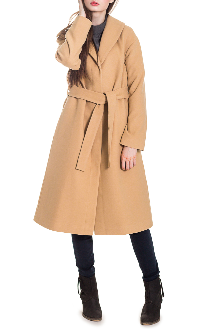 ПальтоПальто<br>Элегантное пальто лаконичного дизайна придется по вкусу настоящим леди, ценящим стиль и комфорт. Пальто со спущенной линией плеча придает фигуре мягкие очертания. Материал пальто плотный, но мягкий, прекрасно quot;дышитquot;, при этом поддерживая оптимальный температурный режим. Это пальто станет прекрасной составляющей Вашего повседневного гардероба.  Пальто силуэта quot;трапецияquot; со съемным поясом. На спинке средний шов и кокетка. Воротник quot;шалевыйquot;, центральная застежка на кнопки. Карманы в боковых швах. Рукав рубашечный, со спущенной линией плеча, длинный.  Цвет: темно-бежевый.  Длина рукава (от конечной плечевой точки) - 61 ± 1 см  Рост девушки-фотомодели 168 см  Длина изделия - 105 ± 2 см<br><br>Воротник: Шалька<br>Горловина: V- горловина,Запах<br>Застежка: С кнопками<br>По длине: Ниже колена<br>По материалу: Пальтовая ткань<br>По рисунку: Однотонные<br>По силуэту: Свободные<br>По стилю: Винтаж,Классический стиль,Кэжуал,Офисный стиль,Повседневный стиль,Ультрамодный стиль<br>По элементам: С воротником,С вырезом,С декором,С карманами,С подкладом,С поясом,С разрезом<br>Рукав: Длинный рукав<br>По сезону: Осень,Весна<br>Размер : 48,50,52<br>Материал: Пальтовая ткань<br>Количество в наличии: 9