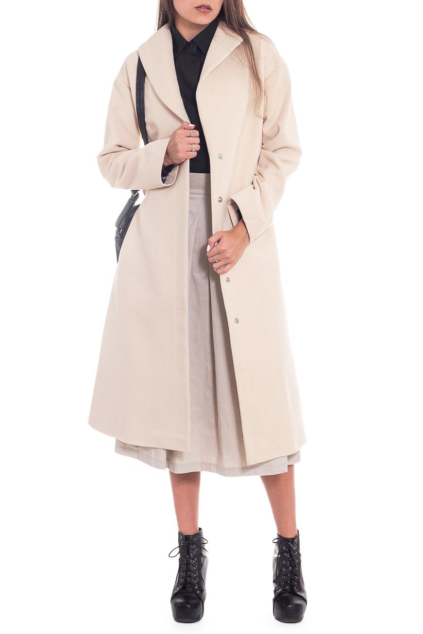 ПальтоПальто<br>Элегантное пальто лаконичного дизайна придется по вкусу настоящим леди, ценящим стиль и комфорт. Пальто со спущенной линией плеча придает фигуре мягкие очертания. Материал пальто плотный, но мягкий, прекрасно дышит, при этом поддерживая оптимальный температурный режим. Это пальто станет прекрасной составляющей Вашего повседневного гардероба.  Пальто силуэта трапеция со съемным поясом. На спинке средний шов и кокетка. Воротник шалевый, центральная застежка на кнопки. Карманы в боковых швах. Рукав рубашечный, со спущенной линией плеча, длинный.  Цвет: темно-бежевый.  Длина рукава (от конечной плечевой точки) - 61 ± 1 см  Рост девушки-фотомодели 180 см  Длина изделия - 105 ± 2 см<br><br>Воротник: Шалька<br>Горловина: V- горловина,Запах<br>Застежка: С кнопками<br>По длине: Ниже колена<br>По материалу: Пальтовая ткань<br>По рисунку: Однотонные<br>По силуэту: Свободные<br>По стилю: Винтаж,Классический стиль,Кэжуал,Офисный стиль,Повседневный стиль,Ультрамодный стиль<br>По элементам: С воротником,С вырезом,С декором,С карманами,С подкладом,С поясом,С разрезом<br>Рукав: Длинный рукав<br>По сезону: Осень,Весна<br>Размер : 50<br>Материал: Пальтовая ткань<br>Количество в наличии: 1