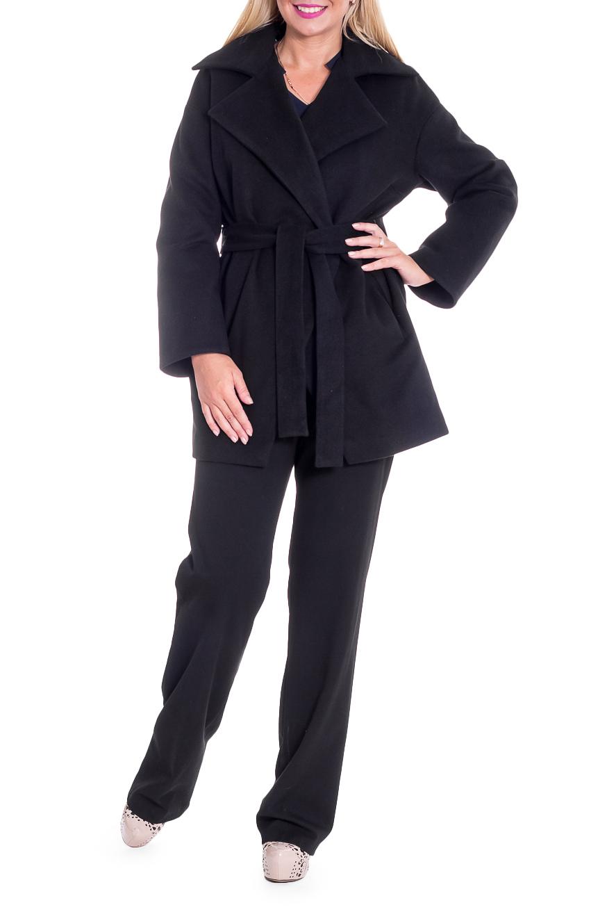 ПальтоПальто<br>Элегантное пальто лаконичного дизайна придется по вкусу настоящим леди, ценящим стиль и комфорт. Пальто со спущенной линией плеча придает фигуре мягкие очертания. Материал пальто плотный, но мягкий, прекрасно quot;дышитquot;, при этом поддерживая оптимальный температурный режим. Это пальто станет прекрасной составляющей Вашего повседневного гардероба.  Пальто прямого силуэта с фигурными бортами. Карманы в боковых швах. Съемный пояс. На спинке средний шов. Воротник пиджачного типа. Рукав рубашечный, длинный, со спущенной линией плеча.  Цвет: черный.  Длина рукава (от конечной плечевой точки) - 61 ± 1 см  Рост девушки-фотомодели 170 см  Длина изделия - 78 ± 2 см<br><br>Воротник: Стояче-отложной<br>Горловина: V- горловина,Запах<br>Застежка: С пуговицами<br>По длине: Короткие<br>По материалу: Пальтовая ткань<br>По рисунку: Однотонные<br>По силуэту: Прямые<br>По стилю: Классический стиль,Кэжуал,Офисный стиль,Повседневный стиль<br>По элементам: С воротником,С вырезом,С декором,С карманами,С подкладом,С поясом<br>Рукав: Длинный рукав<br>По сезону: Осень,Весна<br>Размер : 46,48,50<br>Материал: Пальтовая ткань<br>Количество в наличии: 3