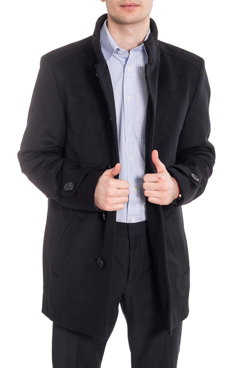 ПальтоПальто<br>Классическое мужское пальто в деловом стиле.  Цвет: черный.  Рост мужчины-фотомодели 182 см<br><br>По сезону: Осень,Весна<br>Размер : 50,54<br>Материал: Пальтовая ткань<br>Количество в наличии: 2