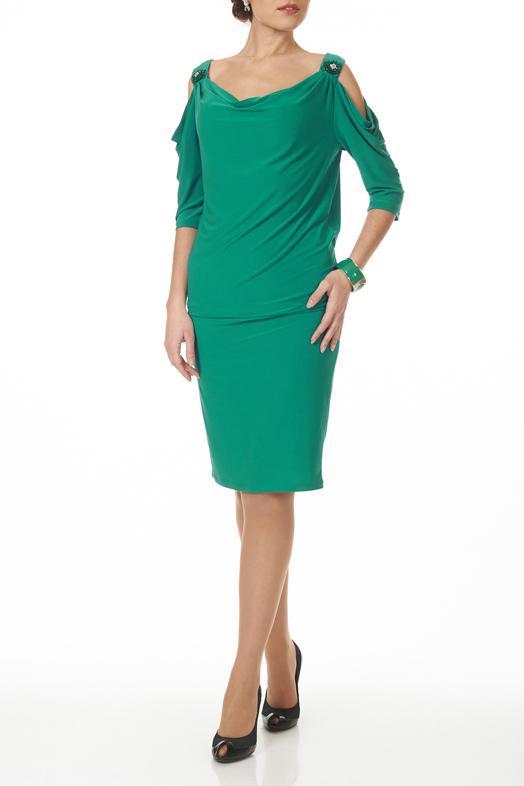 ПлатьеПлатья<br>Платье свободного силуэта, зауженное к низу. Платье на широких бретелях оформленных декоротивными брошками из бисера и бусин. По полочке и рукавам quot;качелиquot;  Цвет: зеленый  Ростовка изделия 170 см<br><br>Горловина: Качель<br>По длине: До колена<br>По материалу: Вискоза<br>По рисунку: Однотонные<br>По сезону: Весна,Осень,Лето<br>По силуэту: Полуприталенные<br>По стилю: Повседневный стиль<br>По форме: Платье - футляр<br>По элементам: С вырезом,С декором<br>Рукав: Рукав три четверти<br>Размер : 44,46,48,50<br>Материал: Вискоза<br>Количество в наличии: 9