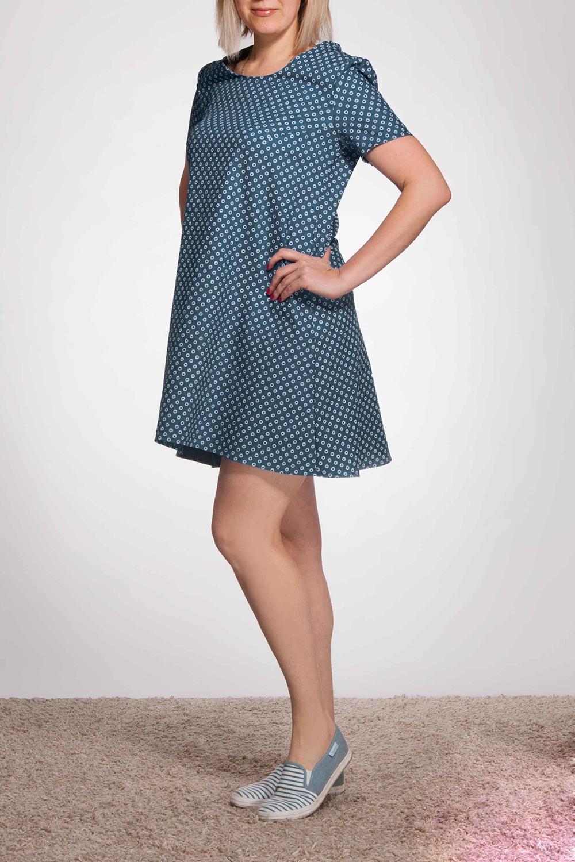 ПлатьеПлатья<br>Платье-халат из тонкого джинса категории Люкс. Принт - ромашки Очень практичная и удобная летняя модель. На спинке застегивается на ряд пуговичек по планке. Асимметричная длина: спереди более короткий, сзади более длинный подол.  В изделии использованы цвета: синий и др.  Для просмотра платья для девочки вбейте в строке поиска SD(9)-EEK  Ростовка изделия 176-182 см.<br><br>Горловина: С- горловина<br>По длине: До колена<br>По материалу: Джинс,Хлопок<br>По рисунку: Растительные мотивы,С принтом,Цветные,Цветочные<br>По сезону: Весна,Лето<br>По силуэту: Свободные<br>По стилю: Повседневный стиль<br>По форме: Платье - трапеция<br>По элементам: С фигурным низом<br>Рукав: Короткий рукав<br>Размер : 42,44,46,48<br>Материал: Джинс<br>Количество в наличии: 5