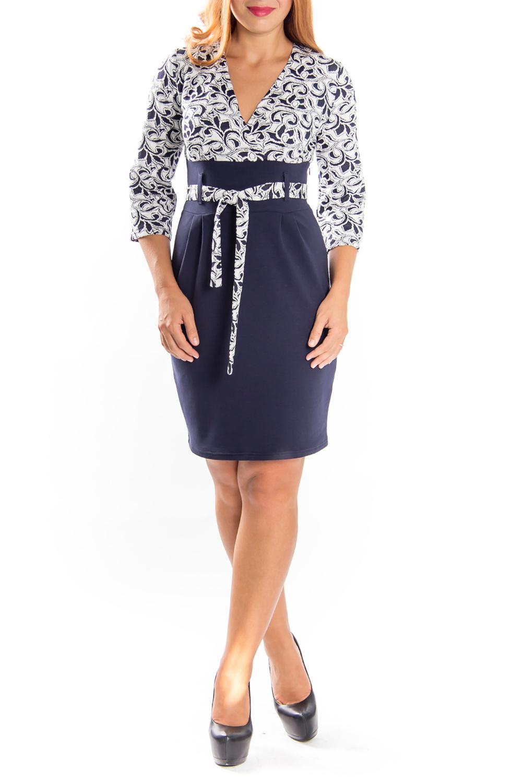 ПлатьеПлатья<br>Дивное женское платье с V-образной горловиной и рукавами 3/4. Модель выполнена из плотного трикотажа. Отличный выбор для любого случая.Платье без поясаДлина изделия по спинке:44 размер 90 см46 размер 90 см48 размер 90 см50 размер 90 см52 размер 90 см54 размер 90 см56 размер 90 смДлина рукава:44 размер 42 см46 размер 42 см48 размер 42 см50 размер 43 см52 размер 43 см54 размер 43 см56 размер 43 смЦвет: синий, белый<br><br>Горловина: V- горловина,Запах<br>Рукав: Рукав три четверти<br>Длина: До колена<br>Материал: Вискоза,Трикотаж<br>Рисунок: Цветные,С принтом<br>Сезон: Весна,Осень,Зима<br>Силуэт: Полуприталенные<br>Стиль: Повседневный стиль<br>Форма: Платье - футляр<br>Размер : 44<br>Материал: Джерси<br>Количество в наличии: 1