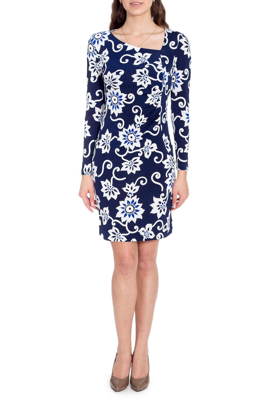 ПлатьеПлатья<br>Красивое платье с асимметричной горловиной и длинными рукавами. Модель выполнена из приятного трикотажа. Отличный выбор для повседневного гардероба.  В изделии использованы цвета: синий, белый  Рост девушки-фотомодели 170 см<br><br>Горловина: Фигурная горловина<br>По длине: До колена<br>По материалу: Вискоза,Трикотаж<br>По рисунку: С принтом,Цветные,Этнические<br>По силуэту: Приталенные<br>По стилю: Повседневный стиль<br>По форме: Платье - футляр<br>Рукав: Длинный рукав<br>По сезону: Осень,Весна,Зима<br>Размер : 44,46,48,50,52,54<br>Материал: Холодное масло<br>Количество в наличии: 10
