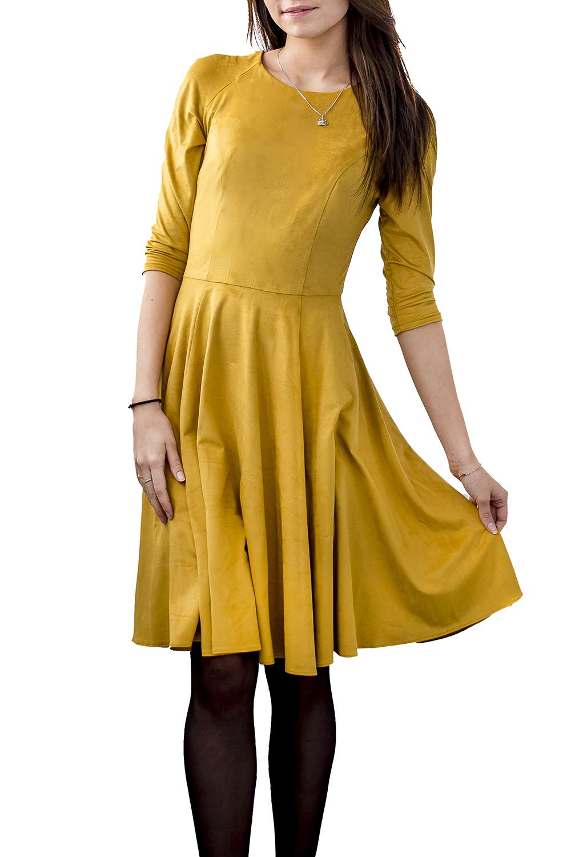 ПлатьеПлатья<br>Универсальное платье с круглой горловиной и рукавами 3/4. Модель выполнена из мягкой замши. Отличный выбор для повседневного гардероба.  Цвет: горчичный  Ростовка изделия 168 см.<br><br>Горловина: С- горловина<br>По длине: До колена<br>По материалу: Замша<br>По рисунку: Однотонные<br>По сезону: Зима,Осень,Весна<br>По силуэту: Приталенные<br>По стилю: Кэжуал,Повседневный стиль<br>По форме: Платье - трапеция<br>Рукав: Рукав три четверти<br>Размер : 42,44,46,48,50<br>Материал: Искусственная замша<br>Количество в наличии: 5