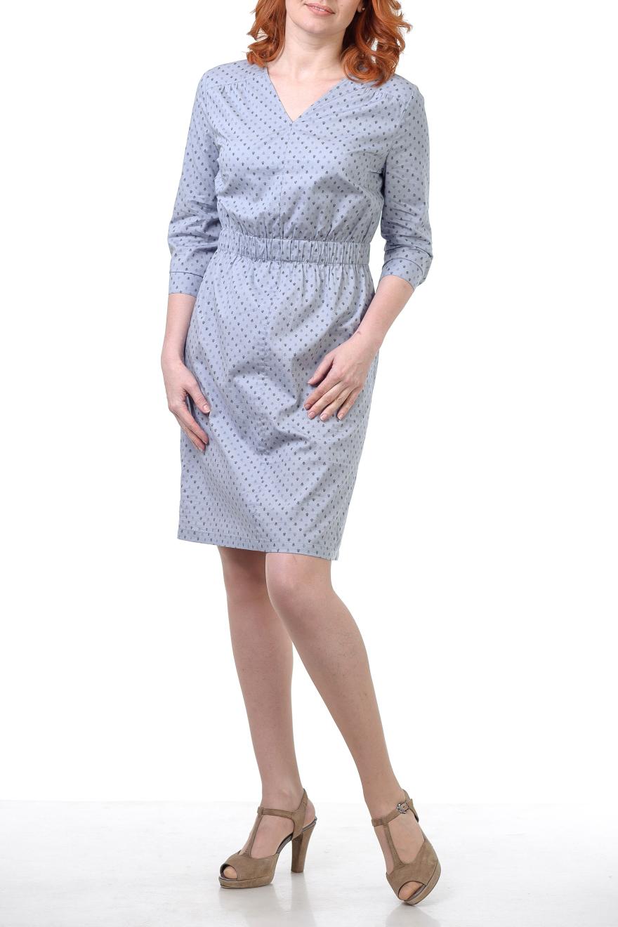 ПлатьеПлатья<br>Платье полуприлегающего силуэта, на маленькой кокетке, впереди и сзади со сборками, талия на резинке, вырез небольшой V- образный, впереди шов. Рукав 3/4 на манжете. Платье из тонкого хлопка очень красивого стального цвета с мелким рисунком.   Цвет: серый  Параметры изделия 40 размера:  Обхват груди: 84 см. Обхват талии: 67 см. Обхват бедер: 92 см. Обхват под грудью: 83,2 см. Длина рукава: 45 см. Длина изделия по спинке: 97 см.  Параметры изделия 42 размера:  Обхват груди: 88 см. Обхват талии: 70 см. Обхват бедер: 96 см. Обхват под грудью: 86,2 см. Длина рукава: 45,5 см. Длина изделия по спинке: 97,5 см.   Параметры изделия 46 размера:  Обхват груди: 92 см. Обхват талии: 73 см. Обхват бедер: 100 см. Обхват под грудью: 89,2 см. Длина рукава: 46,5 см. Длина изделия по спинке: 98,5 см.  Параметры изделия 48 размера:  Обхват груди: 96 см. Обхват талии: 76 см. Обхват бедер: 104 см. Обхват под грудью: 90,2 см. Длина рукава: 47 см. Длина изделия по спинке: 99 см.   Рост девушки фото-модели 178 см<br><br>Горловина: V- горловина<br>По длине: До колена<br>По материалу: Хлопок<br>По образу: Город,Офис<br>По рисунку: Однотонные,С принтом<br>По силуэту: Полуприталенные<br>По стилю: Классический стиль,Офисный стиль,Повседневный стиль<br>По форме: Платье - футляр<br>По элементам: С манжетами<br>Рукав: Рукав три четверти<br>По сезону: Осень,Весна<br>Размер : 40,42,46,48<br>Материал: Хлопок<br>Количество в наличии: 4