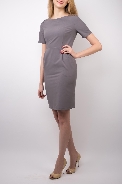 ПлатьеПлатья<br>Элегантное платье обязательно придётся по вкусу деловым леди. Стильное, приталенное платье из мягкой костюмной ткани смотрится сдержанно и благородно. Однотонная расцветка и отсутствие лишних деталей позволяют добавить к наряду любые украшения: уместны будут и тонкие изящные цепочки на шее, и массивные браслеты, подчёркивающие хрупкость запястий. Сзади платье застёгивается на потайную молнию. В боковых швах два удобных кармана. Рукав немного выше локтя.   Длина изделия по спинке 85-86 см.  В изделии использованы цвета: светло-серый  Ростовка изделия до 42 размера 155-162 см. Ростовка изделия с 44 размера 161-170 см.<br><br>Горловина: С- горловина<br>По длине: До колена<br>По материалу: Тканевые<br>По рисунку: Однотонные<br>По силуэту: Приталенные<br>По стилю: Классический стиль,Кэжуал,Офисный стиль,Повседневный стиль<br>По форме: Платье - футляр<br>По элементам: С разрезом<br>Разрез: Короткий,Шлица<br>Рукав: Короткий рукав<br>По сезону: Осень,Весна<br>Размер : 42,44,46,48,50,52<br>Материал: Плательная ткань<br>Количество в наличии: 6
