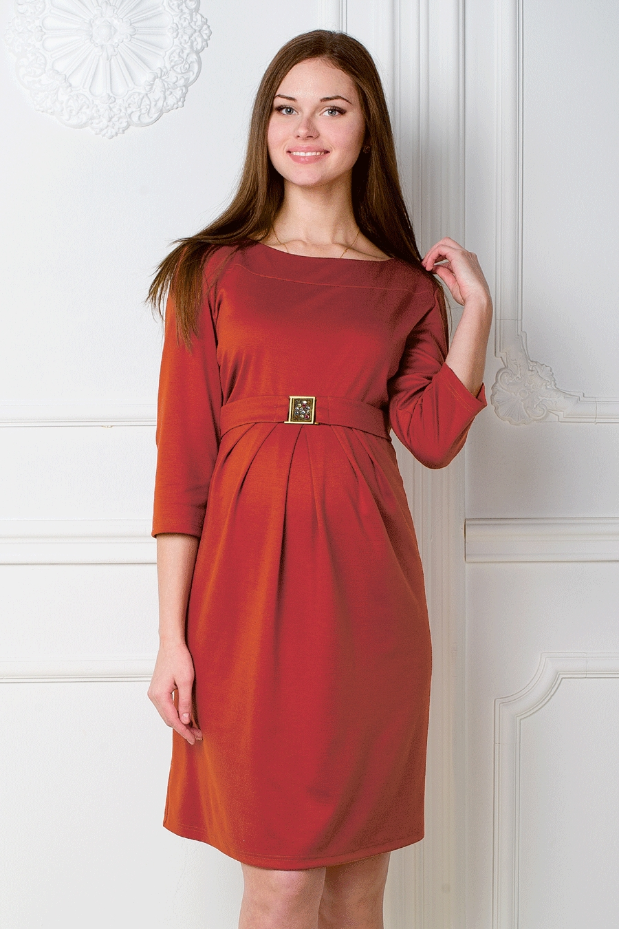 ПлатьеПлатья<br>Однотоннон платье с рукавами 3/4. Модель выполнена из приятного трикотажа. Отличный выбор для повседневного гардероба. Ростовка изделия 170-176 см.  За счет свободного кроя и эластичного материала изделие можно носить во время беременности  Цвет: красный  Рост девушки-фотомодели 180 см<br><br>Горловина: С- горловина<br>По длине: До колена<br>По материалу: Трикотаж<br>По рисунку: Однотонные<br>По силуэту: Полуприталенные<br>По стилю: Повседневный стиль<br>По форме: Платье - трапеция<br>По элементам: С декором,Со складками<br>Рукав: Рукав три четверти<br>По сезону: Осень,Весна,Зима<br>Размер : 46,50<br>Материал: Джерси<br>Количество в наличии: 2