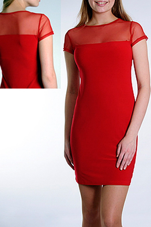 ПлатьеПлатья<br>Женское платье приталенного силуэта, сочетание двух видов тканей, платье станет ярким акцентом в Вашем образе.   Параметры изделия:  44 размера: обхват груди - 102 см. обхват по линии бедер - 107 см. длина изделия - 93 см.  52 размера: обхват груди - 118 см. обхват по линии бедер - 123 см. длина изделия - 99 см.  Цвет: красный  Рост девушки-фотомодели 170 см<br><br>Горловина: С- горловина<br>По длине: До колена<br>По материалу: Гипюровая сетка,Трикотаж<br>По рисунку: Однотонные<br>По сезону: Весна,Зима,Лето,Осень,Всесезон<br>По силуэту: Обтягивающие<br>По стилю: Нарядный стиль<br>По форме: Платье - футляр<br>Рукав: Короткий рукав<br>Размер : 44<br>Материал: Холодное масло + Гипюровая сетка<br>Количество в наличии: 1