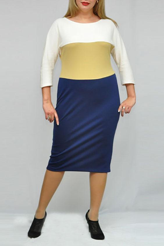 ПлатьеПлатья<br>Цветное платье с круглой горловиной и рукавами 3/4. Модель выполнена из плотного трикотажа. Отличный выбор для повседневного и делового гардероба.  Цвет: синий, желтый, белый  Рост девушки-фотомодели 173 см.<br><br>Горловина: С- горловина<br>По длине: Ниже колена<br>По материалу: Трикотаж,Хлопок<br>По рисунку: В полоску,Цветные<br>По силуэту: Полуприталенные<br>По стилю: Повседневный стиль,Офисный стиль<br>По форме: Платье - футляр<br>Рукав: Рукав три четверти<br>По сезону: Осень,Весна,Зима<br>Размер : 52,64,66,68<br>Материал: Джерси<br>Количество в наличии: 7