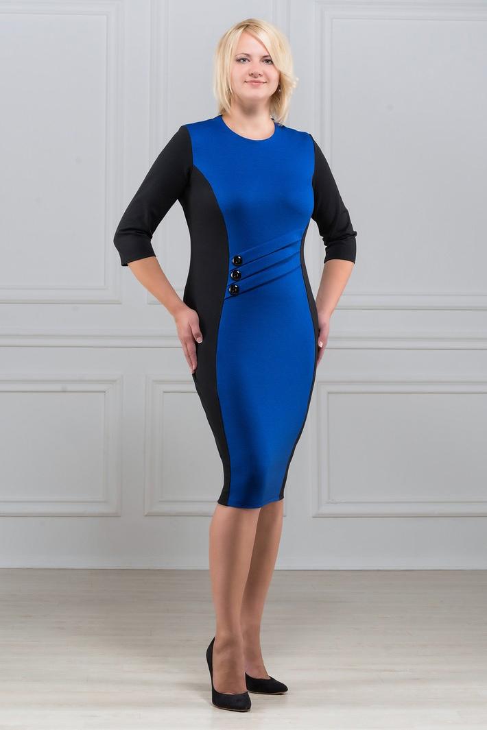 ПлатьеПлатья<br>Элегантное платье построенное на сочетании двух контрастных цветов. Спереди на линии талии наклонные декоративные складки с тремя пуговицами. Классический вариант для офиса. Ткань характеризуется эластичностью, растяжимостью и мягкостью. Рукав 3/4. Плотность ткани 280 гр/м2  Длина платья 100-105 см.  В изделии использованы цвета: синий, черный  Рост девушки-фотомодели 173 см<br><br>Горловина: С- горловина<br>По длине: Ниже колена<br>По материалу: Вискоза,Трикотаж<br>По образу: Город,Офис,Свидание<br>По рисунку: Цветные<br>По силуэту: Приталенные<br>По стилю: Офисный стиль,Повседневный стиль<br>По форме: Платье - футляр<br>По элементам: С декором,С отделочной фурнитурой<br>Рукав: Рукав три четверти<br>По сезону: Осень,Весна<br>Размер : 50,52,54,56,58,60<br>Материал: Трикотаж<br>Количество в наличии: 11