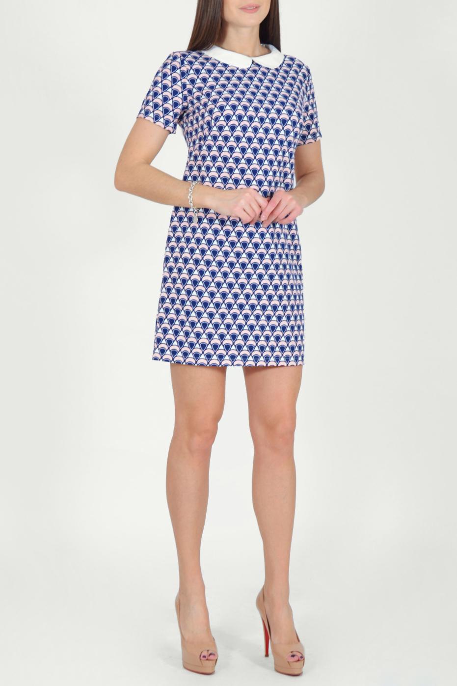 ПлатьеПлатья<br>Цветное платье с контрастным воротничком и короткими рукавами. Модель выполнена из мягкой вискозы. Отличный выбор для повседневного гардероба.  Длина изделия по спинке до 48 размера - 85 см., от 48 размера - 93 см.  В изделии использованы цвета: синий, белый и др.  Рост девушки-фотомодели 170 см.  Параметры размеров: 42 размер - обхват груди 84 см., обхват талии 66 см., обхват бедер 92 см. 44 размер - обхват груди 88 см., обхват талии 70 см., обхват бедер 96 см. 46 размер - обхват груди 92 см., обхват талии 74 см., обхват бедер 100 см. 48 размер - обхват груди 96 см., обхват талии 78 см., обхват бедер 104 см. 50 размер - обхват груди 100 см., обхват талии 82 см., обхват бедер 108 см. 52 размер - обхват груди 104 см., обхват талии 86 см., обхват бедер 112 см. 54 размер - обхват груди 108 см., обхват талии 91 см., обхват бедер 116 см. 56 размер - обхват груди 112 см., обхват талии 95 см., обхват бедер 120 см. 58 размер - обхват груди 116 см., обхват талии 100 см., обхват бедер 124 см. 60 размер - обхват груди 120 см., обхват талии 105 см., обхват бедер 128 см.<br><br>Воротник: Отложной<br>По длине: До колена,Мини<br>По материалу: Тканевые<br>По рисунку: С принтом,Цветные<br>По силуэту: Полуприталенные<br>По стилю: Повседневный стиль<br>По форме: Платье - футляр<br>По элементам: С воротником<br>Рукав: Короткий рукав<br>По сезону: Осень,Весна<br>Размер : 44,46,48,50,52<br>Материал: Плательная ткань<br>Количество в наличии: 9
