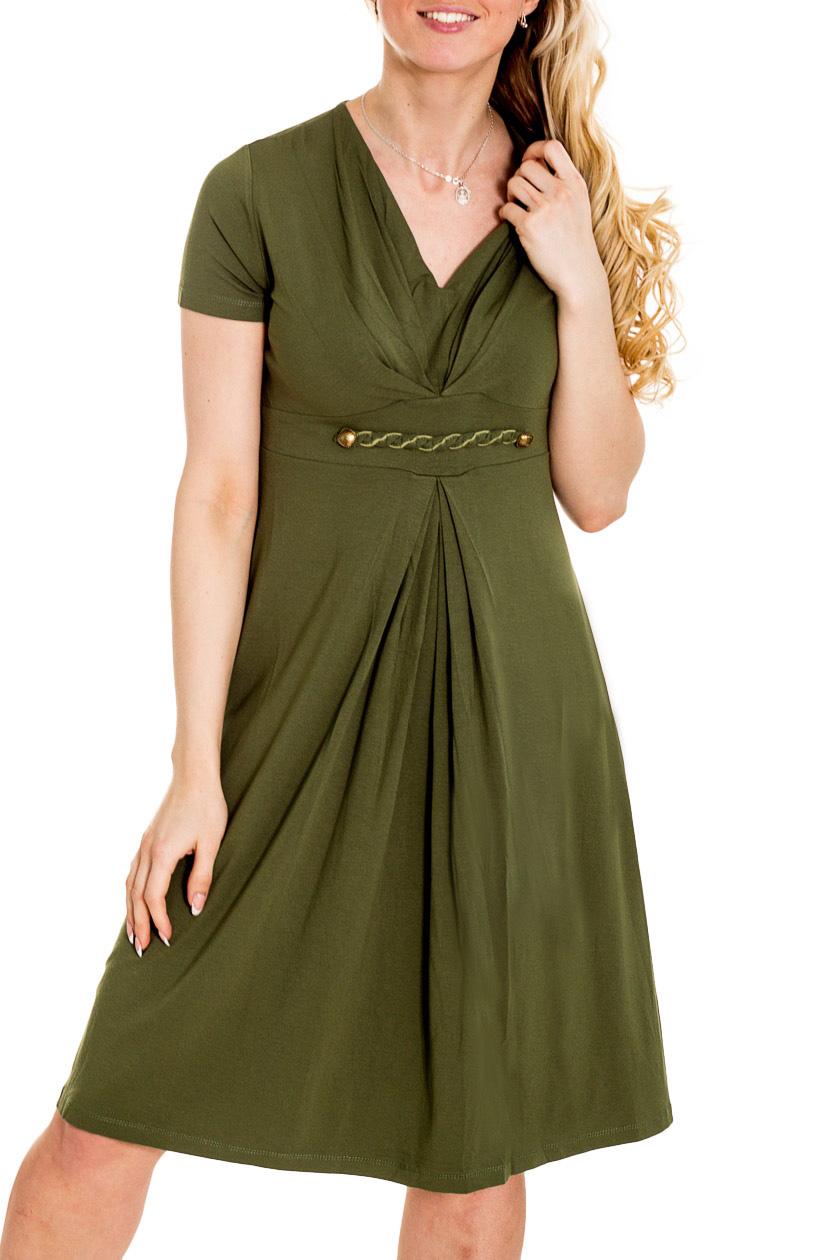 ПлатьеПлатья<br>Однотонное платье с короткими рукавами. Модель выполнена из приятного материала. Отличный выбор для повседневного гардероба.  Цвет: зеленый  Рост девушки-фотомодели 170 см.<br><br>Горловина: V- горловина<br>По длине: Ниже колена<br>По материалу: Вискоза,Трикотаж<br>По рисунку: Однотонные<br>По силуэту: Полуприталенные<br>По стилю: Повседневный стиль<br>По форме: Платье - трапеция<br>По элементам: Со складками<br>Рукав: Короткий рукав<br>По сезону: Осень,Весна<br>Размер : 46<br>Материал: Вискоза<br>Количество в наличии: 1