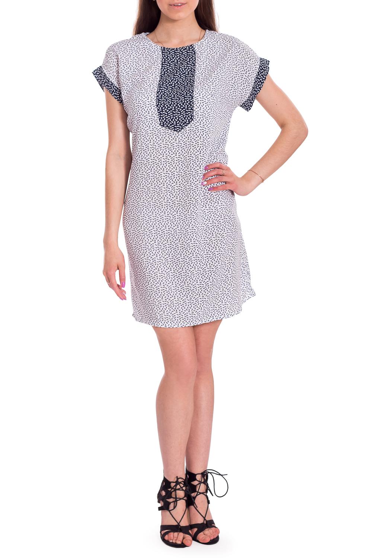 ПлатьеПлатья<br>Легкое летнее платье с короткими рукавами. Модель выполнена из хлопкового материала. Отличный выбор для повседневного гардероба.В изделии использованы цвета: белый, синийРост девушки-фотомодели 170 см.<br><br>Горловина: С- горловина<br>Рукав: Короткий рукав<br>Длина: До колена<br>Материал: Хлопок<br>Рисунок: С принтом,Цветные<br>Сезон: Лето<br>Силуэт: Прямые,Свободные<br>Стиль: Кэжуал,Летний стиль,Повседневный стиль<br>Размер : 48,60,62<br>Материал: Хлопок<br>Количество в наличии: 3