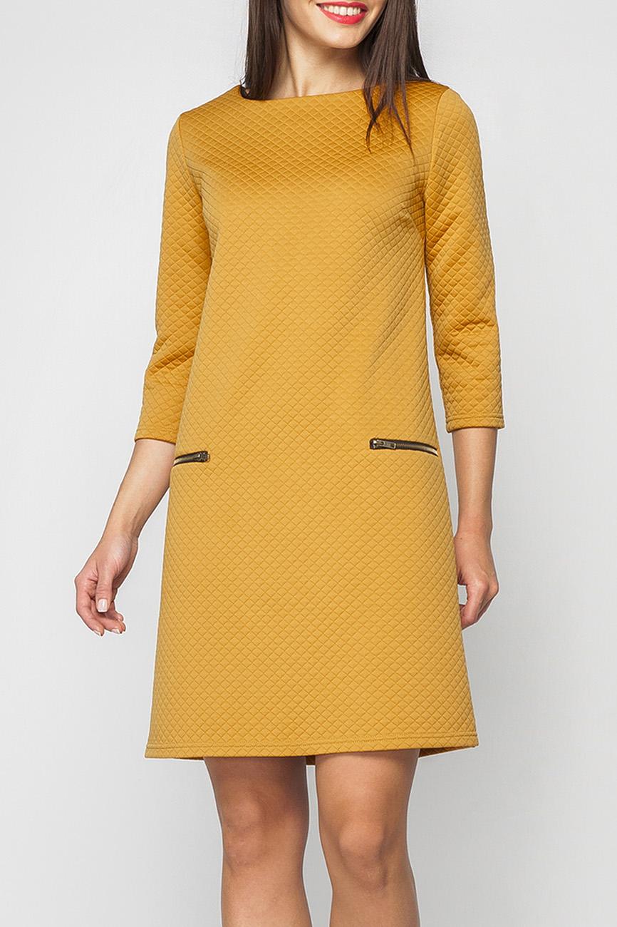 ПлатьеПлатья<br>Женское практичное платье прямого силуэта. Мягкая ткань, приятно прилегающая к телу. В таком платье будет удобно работать в офисе и на прогулке, удобные и вместительные карманы на металлической молнии позволят взять с собой необходимые вещи.   Параметры изделия:  44 размер: обхват груди - 90 см, обхват бедер - 102 см, длина рукава - 44 см, длина изделия - 88 см;  52 размер: обхват груди - 108 см, обхват бедер - 118 см, длина рукава - 44 см, длина изделия - 95 см.   В изделии использованы цвета: горчичный  Рост девушки-фотомодели 170 см.<br><br>Горловина: С- горловина<br>По длине: До колена<br>По материалу: Трикотаж<br>По образу: Город,Офис,Свидание<br>По рисунку: Однотонные,Фактурный рисунок<br>По силуэту: Обтягивающие,Полуприталенные<br>По стилю: Офисный стиль,Повседневный стиль<br>По форме: Платье - трапеция<br>По элементам: С молнией<br>Рукав: Рукав три четверти<br>По сезону: Осень,Весна,Зима<br>Размер : 42<br>Материал: Трикотаж<br>Количество в наличии: 1