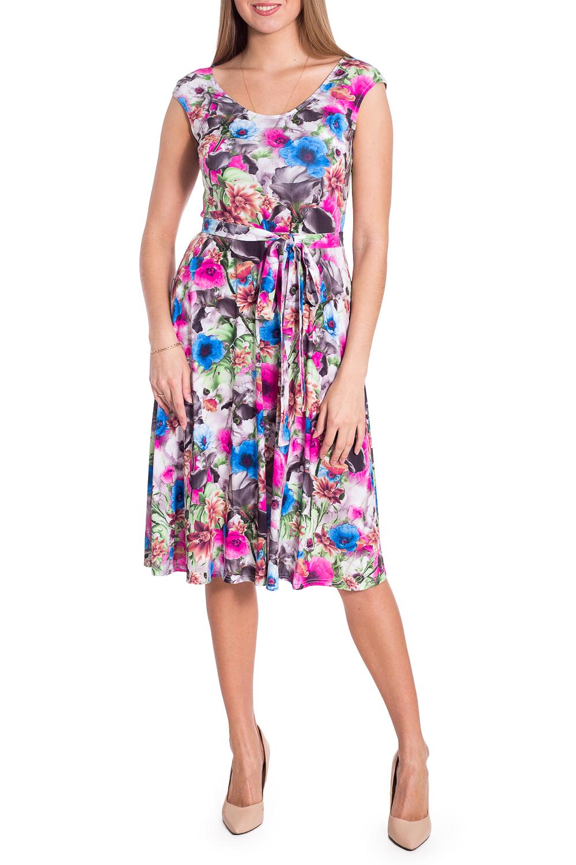 ПлатьеПлатья<br>Цветочное платье длиной quot;мидиquot; с круглой горловиной. Модель выполнена из приятного материала. Отличный выбор для повседневного гардероба. Ростовка изделия 164 см.  Платье без пояса.  В изделии использованы цвета: серо-розовый и др.  Рост девушки-фотомодели 170 см  Параметры размеров: 42 размер - обхват груди 84 см., обхват талии 66 см., обхват бедер 90 см. 44 размер - обхват груди 88 см., обхват талии 70 см., обхват бедер 94 см. 46 размер - обхват груди 92 см., обхват талии 74 см., обхват бедер 98 см. 48 размер - обхват груди 96 см., обхват талии 78 см., обхват бедер 102 см. 50 размер - обхват груди 100 см., обхват талии 82 см., обхват бедер 106 см. 52 размер - обхват груди 104 см., обхват талии 86 см., обхват бедер 110 см. 54 размер - обхват груди 108 см., обхват талии 92 см., обхват бедер 116 см. 56 размер - обхват груди 112 см., обхват талии 98 см., обхват бедер 122 см. 58 размер - обхват груди 116 см., обхват талии 104 см., обхват бедер 128 см. 60 размер - обхват груди 120 см., обхват талии 110 см., обхват бедер 134 см. 62 размер - обхват груди 124 см., обхват талии 118 см., обхват бедер 140 см. 64 размер - обхват груди 128 см., обхват талии 126 см., обхват бедер 146 см. 66 размер - обхват груди 132 см., обхват талии 132 см., обхват бедер 152 см. 68 размер - обхват груди 138 см., обхват талии 140 см., обхват бедер 158 см.<br><br>Горловина: С- горловина<br>По длине: Ниже колена<br>По материалу: Трикотаж<br>По рисунку: Растительные мотивы,С принтом,Цветные,Цветочные<br>По сезону: Весна,Лето<br>По силуэту: Приталенные<br>По стилю: Летний стиль,Повседневный стиль<br>По форме: Платье - трапеция<br>Рукав: Короткий рукав<br>Размер : 44,46,50,52<br>Материал: Холодное масло<br>Количество в наличии: 4