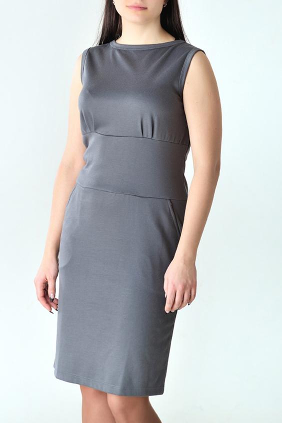 ПлатьеПлатья<br>Повседневное женское платье из приятного трикотажа. Цвет: серый.<br><br>Горловина: С- горловина<br>По длине: До колена<br>По материалу: Вискоза,Трикотаж<br>По рисунку: Однотонные<br>По силуэту: Приталенные<br>По стилю: Классический стиль,Кэжуал,Офисный стиль,Повседневный стиль<br>По форме: Платье - футляр<br>По элементам: С декором,С завышенной талией<br>Рукав: Без рукавов<br>По сезону: Осень,Весна<br>Размер : 44,46,48<br>Материал: Трикотаж<br>Количество в наличии: 17