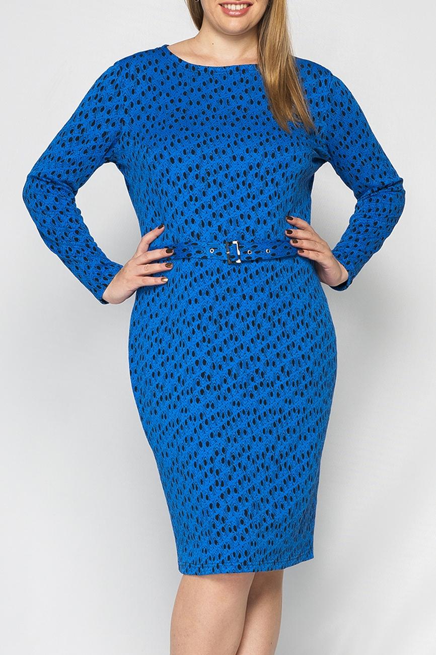 ПлатьеПлатья<br>Платье женское из трикотажа, прямого, полуприлегающего силуэта. Рукав втачной, длинный. Горловина круглая, обработана обтачкой. Платье без пояса.  Параметры изделия:  44 размер: обхват груди - 88 см, обхват бедер - 94 см, длина изделия -97 см;  52 размер: обхват груди 106 см, обхват бедер - 108 см, длина изделия - 102 см  В изделии использованы цвета: синий, черный  Рост девушки-фотомодели 170 см.<br><br>Горловина: С- горловина<br>По длине: Ниже колена<br>По материалу: Трикотаж<br>По рисунку: С принтом,Цветные<br>По силуэту: Приталенные<br>По стилю: Повседневный стиль<br>По форме: Платье - футляр<br>По элементам: С разрезом<br>Разрез: Короткий<br>Рукав: Длинный рукав<br>По сезону: Осень,Весна,Зима<br>Размер : 46,48,50,52<br>Материал: Трикотаж<br>Количество в наличии: 4