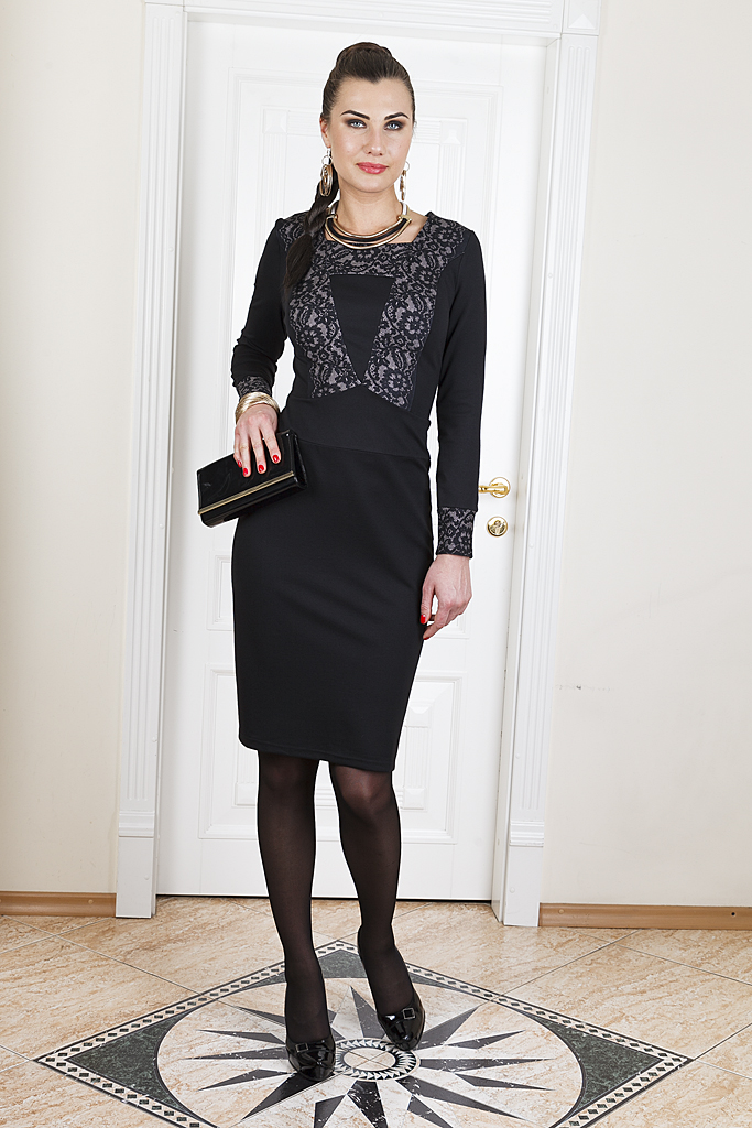 ПлатьеПлатья<br>Элегантное платье с квадратной горловиной и длинными рукавами. Модель выполнена из приятного трикотажа. Отличный выбор для повседневного гардероба.  Цвет: черный, серый  Параметры (обхват груди; обхват талии; обхват бедер): 44 размер - 88; 66,4; 96 см 46 размер - 92; 70,6; 100 см 48 размер - 96; 74,2; 104 см 50 размер - 100; 90; 106 см 52 размер - 104; 94; 110 см 54-56 размер - 108-112; 98-102; 114-118 см 58-60 размер - 116-120; 106-110; 124-130 см<br><br>Горловина: Квадратная горловина<br>По длине: До колена<br>По материалу: Вискоза,Трикотаж<br>По рисунку: Цветные,С принтом<br>По сезону: Весна,Осень,Зима<br>По силуэту: Приталенные<br>По стилю: Повседневный стиль<br>По форме: Платье - футляр<br>Рукав: Длинный рукав<br>По элементам: С манжетами<br>Размер : 48,50,52<br>Материал: Джерси<br>Количество в наличии: 3