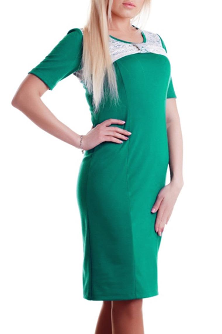 ПлатьеПлатья<br>Женское платье с круглой горловиной и короткими рукавами. Модель выполнена из приятного трикотажа. Отличный выбор для повседневного гардероба.  Цвет: зеленый с белой гипюровой вставкой на лифе  Длина изделия в 48 размере - 101 см.<br><br>По сезону: Весна,Осень<br>Горловина: С- горловина<br>По длине: До колена<br>По материалу: Вискоза,Гипюр,Трикотаж<br>По образу: Город,Свидание<br>По силуэту: Полуприталенные,Приталенные<br>По стилю: Повседневный стиль<br>По форме: Платье - футляр<br>По элементам: С декором,С завышенной талией,С разрезом<br>Рукав: До локтя,Короткий рукав<br>Размер : 46,48,50,52,54<br>Материал: Джерси<br>Количество в наличии: 10