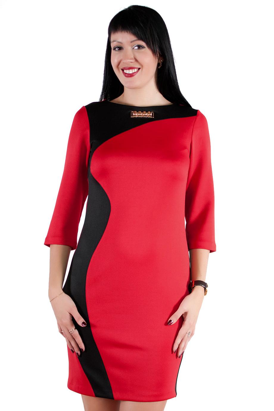 ПлатьеПлатья<br>Классическое платье с асимметричной вставкой контрастного цвета. Округлый вырез горловины дополнен стильным украшением. Рукав 3/4.  Цвет: красный, черный   Длина в размерах 46,48,50 составляет 90см. В размерах 52,54,56 - длина по спинке 102 см.   Рост девушки-фотомодели 174 см.<br><br>Горловина: С- горловина<br>По длине: До колена<br>По материалу: Вискоза,Трикотаж<br>По образу: Город,Свидание<br>По рисунку: Цветные<br>По силуэту: Полуприталенные<br>По стилю: Повседневный стиль<br>По форме: Платье - футляр<br>По элементам: С декором,С отделочной фурнитурой<br>Рукав: Рукав три четверти<br>По сезону: Весна,Осень<br>Размер : 46,48,50,52,54,56<br>Материал: Джерси<br>Количество в наличии: 1
