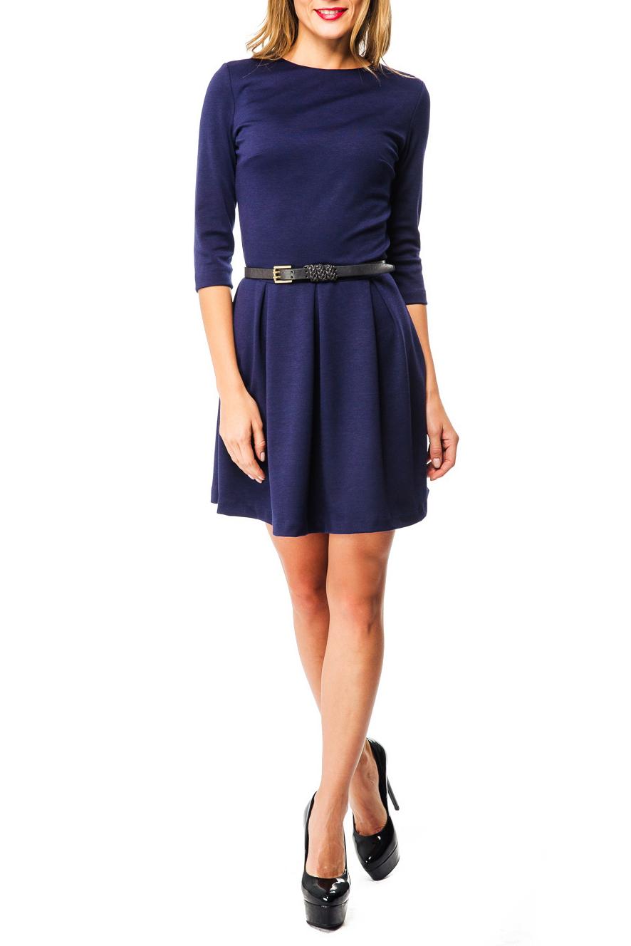 ПлатьеПлатья<br>Стильное платье в строгом классическом стиле органично впишется в повседневный гардероб. Модель с вырезом горловины лодочка и рукавами 3/4. Юбка модели отрезная от линии талии, расклешенная с объемными складками. Длина изделия выше колена. Модель станет замечательным дополнением к Вашему гардеробу. Платье продается без ремня.  Цвет: синий  Ростовка изделия 170 см.<br><br>Горловина: С- горловина<br>По длине: До колена<br>По материалу: Трикотаж<br>По рисунку: Однотонные<br>По силуэту: Приталенные<br>По стилю: Повседневный стиль<br>По форме: Платье - трапеция<br>По элементам: Со складками<br>Рукав: Рукав три четверти<br>По сезону: Осень,Весна,Зима<br>Размер : 46,48<br>Материал: Джерси<br>Количество в наличии: 2