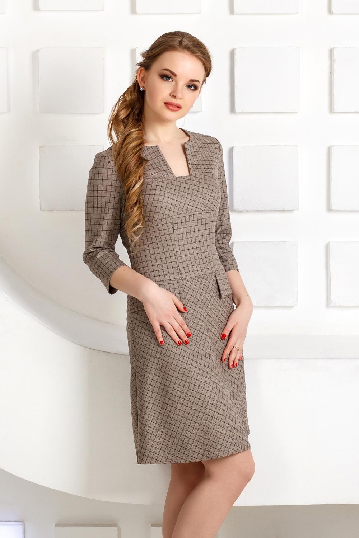 ПлатьеПлатья<br>Платье из костюмной ткани в мелкую клетку.  Трапециевидный, приталенный силуэт, линия талии занижена и дополнена клапанами.  Выполнено в различном направление клетки. Сзади застёгивается на молнию.   Длина по спинке - 92 см.  В изделии использованы цвета: бежевый, коричневый  Рост девушки-фотомодели 170 см.<br><br>Горловина: Фигурная горловина<br>По длине: До колена<br>По материалу: Трикотаж<br>По рисунку: В клетку,С принтом,Цветные<br>По силуэту: Полуприталенные<br>По стилю: Классический стиль,Кэжуал,Офисный стиль,Повседневный стиль<br>По форме: Платье - трапеция<br>Рукав: Рукав три четверти<br>По сезону: Осень,Весна<br>Размер : 42,44,46,48,50,52<br>Материал: Трикотаж<br>Количество в наличии: 17