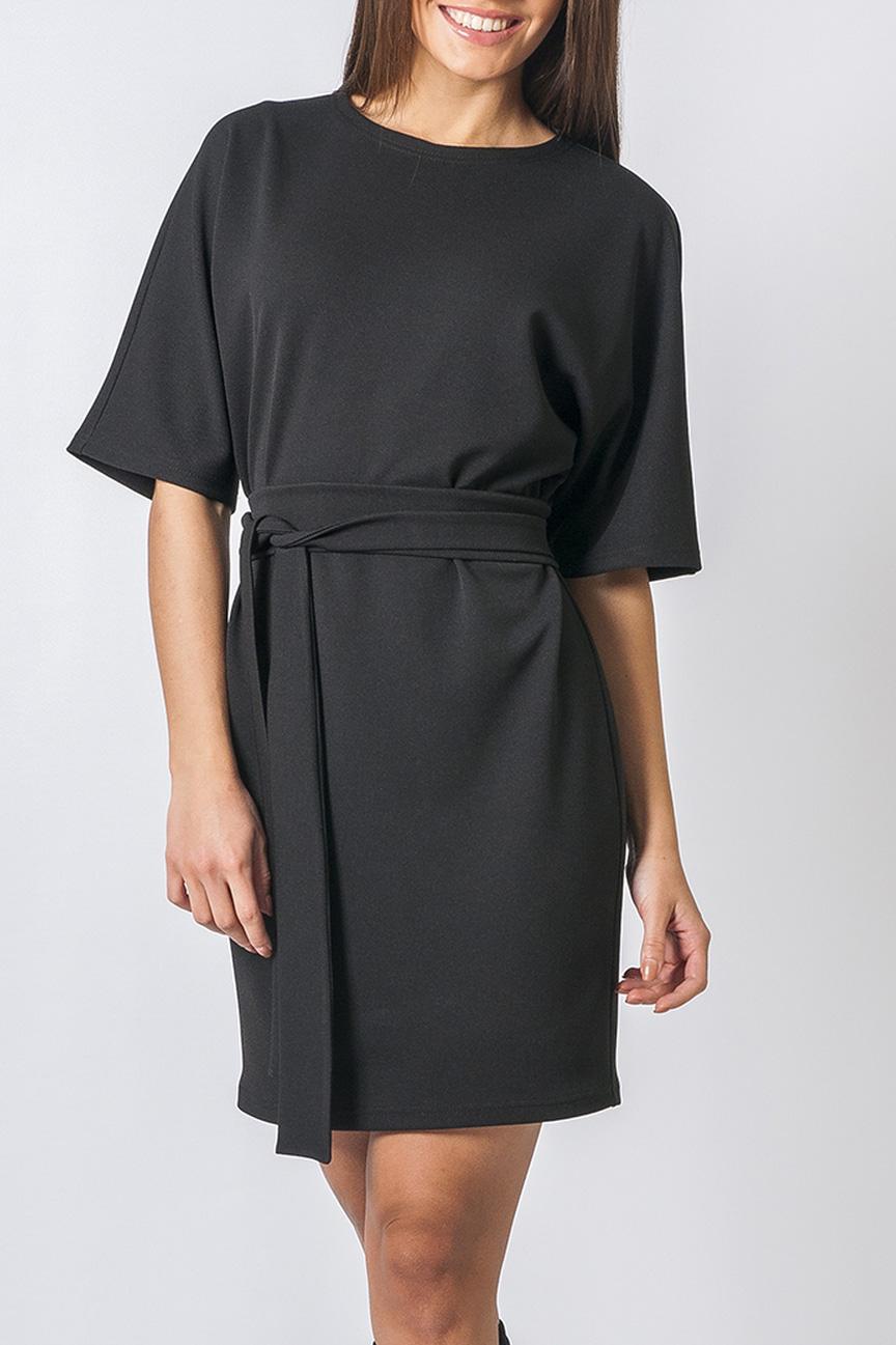 ПлатьеПлатья<br>Удобное платье подойдет для любого случая. Модель с круглым вырезом горловины. Короткие цельнокроеные рукава дарят свободу движению. Это платье станет прекрасным дополнением Вашего гардероба. Пояс в комплект не входит.  Параметры изделия:  44 размер: обхват груди - 102 см, обхват бедер - 100 см, длина рукава - 32 см, длина изделия - 88 см; 52 размер: обхват груди - 118 см, обхват бедер - 120 см, длина рукава - 33 см, длина изделия - 92 см.  В изделии использованы цвета: черный  Рост девушки-фотомодели 170 см.<br><br>Горловина: С- горловина<br>По длине: До колена<br>По материалу: Трикотаж<br>По образу: Город,Офис,Свидание<br>По рисунку: Однотонные<br>По силуэту: Полуприталенные<br>По стилю: Классический стиль,Офисный стиль,Повседневный стиль<br>Рукав: До локтя<br>По сезону: Осень,Весна,Зима<br>Размер : 44,50<br>Материал: Трикотаж<br>Количество в наличии: 2