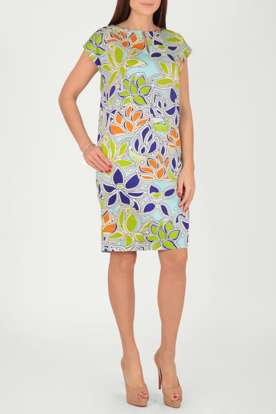 ПлатьеПлатья<br>Цветное платье с фигурной горловиной и короткими рукавами. Модель выполнена из хлопкового материала. Отличный выбор для повседневного гардероба.  Длина изделия от линии плеча 102 см.  В изделии использованы цвета: голубой, зеленый, синий, оранжевый и др.  Рост девушки-фотомодели 170 см.  Параметры размеров: 42 размер - обхват груди 84 см., обхват талии 66 см., обхват бедер 92 см. 44 размер - обхват груди 88 см., обхват талии 70 см., обхват бедер 96 см. 46 размер - обхват груди 92 см., обхват талии 74 см., обхват бедер 100 см. 48 размер - обхват груди 96 см., обхват талии 78 см., обхват бедер 104 см. 50 размер - обхват груди 100 см., обхват талии 82 см., обхват бедер 108 см. 52 размер - обхват груди 104 см., обхват талии 86 см., обхват бедер 112 см. 54 размер - обхват груди 108 см., обхват талии 91 см., обхват бедер 116 см. 56 размер - обхват груди 112 см., обхват талии 95 см., обхват бедер 120 см. 58 размер - обхват груди 116 см., обхват талии 100 см., обхват бедер 124 см. 60 размер - обхват груди 120 см., обхват талии 105 см., обхват бедер 128 см.<br><br>Горловина: Фигурная горловина<br>По длине: До колена<br>По материалу: Хлопок<br>По рисунку: Растительные мотивы,С принтом,Цветные,Цветочные<br>По силуэту: Полуприталенные<br>По стилю: Летний стиль,Повседневный стиль<br>По форме: Платье - футляр<br>По элементам: С карманами,С разрезом<br>Разрез: Короткий,Шлица<br>Рукав: Короткий рукав<br>По сезону: Лето<br>Размер : 48,52<br>Материал: Хлопок<br>Количество в наличии: 3