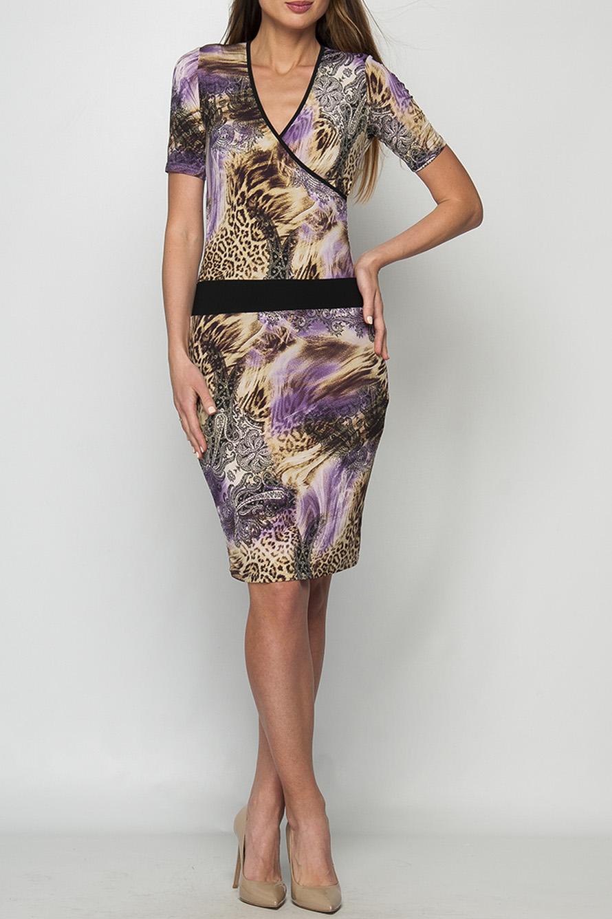 ПлатьеПлатья<br>Эффектное платье с лепардовым принтом. Модель выполнена из приятного трикотажа. Отличный выбор для повседневного гардероба.  Параметры изделия:  44 размер: ширина груди 39см, ширина талии 33,5см, ширина бедер 41,5см, длина спинки 98,5см, длина рукава 25см;  52 размер: ширина груди 45см, ширина талии 42см, ширина бедер 50,5см, длина спинки 101,5см, длина рукава 26см.  В изделии использованы цвета: бежевый, сиреневый и др.  Рост девушки-фотомодели 175 см.<br><br>Горловина: V- горловина,Запах<br>По длине: До колена<br>По материалу: Трикотаж<br>По рисунку: Леопард,С принтом,Цветные<br>По силуэту: Приталенные<br>По стилю: Повседневный стиль<br>По форме: Платье - футляр<br>Рукав: Короткий рукав<br>По сезону: Лето<br>Размер : 44,46<br>Материал: Холодное масло<br>Количество в наличии: 2