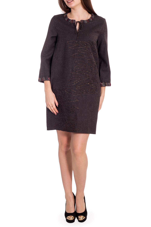 ПлатьеПлатья<br>Интересное платье с аппликацией. Модель выполнена из натуральной шерсти. Отличный выбор для повседневного гардероба.  В изделии использованы цвета: коричневый и др.  Рост девушки-фотомодели 173 см.<br><br>Горловина: С- горловина<br>По длине: До колена<br>По материалу: Шерсть<br>По рисунку: Однотонные<br>По силуэту: Свободные<br>По стилю: Повседневный стиль<br>По форме: Платье - трапеция<br>По элементам: С декором<br>Рукав: Рукав три четверти<br>По сезону: Зима<br>Размер : 44,46,48,50,52,58<br>Материал: Шерсть<br>Количество в наличии: 6