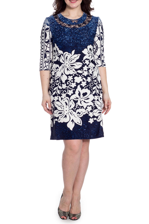 ПлатьеПлатья<br>Цветное платье с гипюровой вставкой на груди. Модель выполнена из приятного материала. Отличный выбор для любого случая.  В изделии использованы цвета: синий, белый и др.  Рост девушки-фотомодели 180 см.<br><br>Горловина: С- горловина<br>По длине: Ниже колена<br>По материалу: Трикотаж<br>По рисунку: С принтом,Цветные<br>По сезону: Зима,Осень,Весна<br>По силуэту: Приталенные<br>По стилю: Нарядный стиль,Повседневный стиль<br>По форме: Платье - футляр<br>По элементам: С декором<br>Рукав: Рукав три четверти<br>Размер : 50,52<br>Материал: Трикотаж<br>Количество в наличии: 2