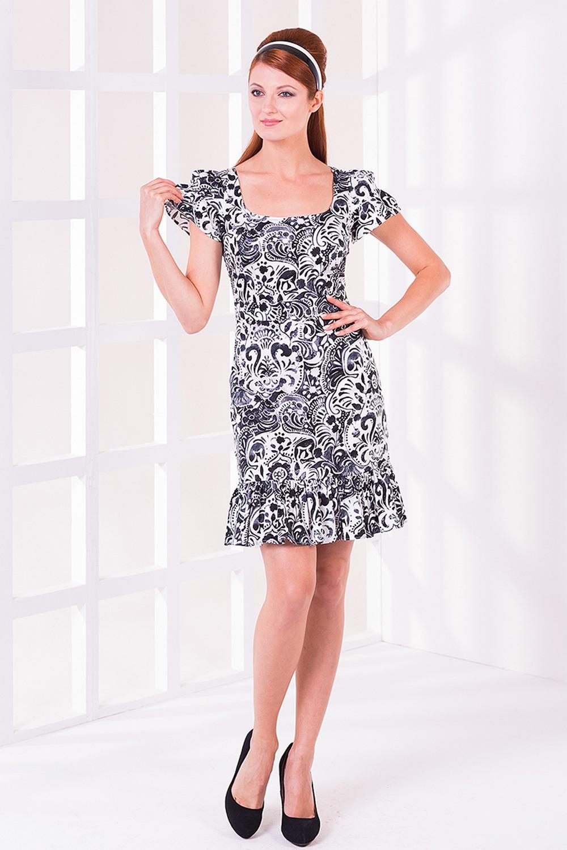 ПлатьеПлатья<br>Женское платье с короткими рукавами. Модель выполнена из хлопкового материала. Отличный выбор для любого случая.  Цвет: черный, белый<br><br>Горловина: С- горловина<br>По длине: До колена<br>По материалу: Хлопок<br>По образу: Город,Свидание<br>По рисунку: Абстракция,Цветные<br>По сезону: Лето<br>По силуэту: Полуприталенные<br>По стилю: Летний стиль,Молодежный стиль,Повседневный стиль,Романтический стиль<br>По форме: Платье - футляр<br>По элементам: С молнией,С воланами и рюшами<br>Рукав: Короткий рукав<br>Размер : 42,44,46,48<br>Материал: Хлопок<br>Количество в наличии: 2