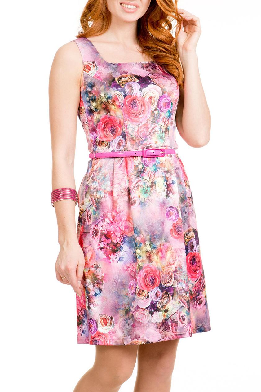 ПлатьеПлатья<br>Летнее платье-сарафан прилегающего силуэта, отрезное по талии, длиной выше колена. Платье на бретелях, вырез горловины каре. Спереди на лифе рельефы. Нижняя часть платья с мягкими складками-защипами от талии.   Длина платья посередине спинки 80 – 82 см.   Платье без ремня.  В изделии использованы цвета: розовый, голубой и др.  Ростовка изделия 170 см<br><br>Горловина: Квадратная горловина<br>По длине: До колена<br>По материалу: Атлас<br>По рисунку: Растительные мотивы,С принтом,Цветные,Цветочные<br>По силуэту: Полуприталенные<br>По стилю: Повседневный стиль,Романтический стиль,Летний стиль<br>По форме: Платье - трапеция<br>Рукав: Без рукавов<br>По сезону: Лето<br>Размер : 46,48,50<br>Материал: Атлас<br>Количество в наличии: 4