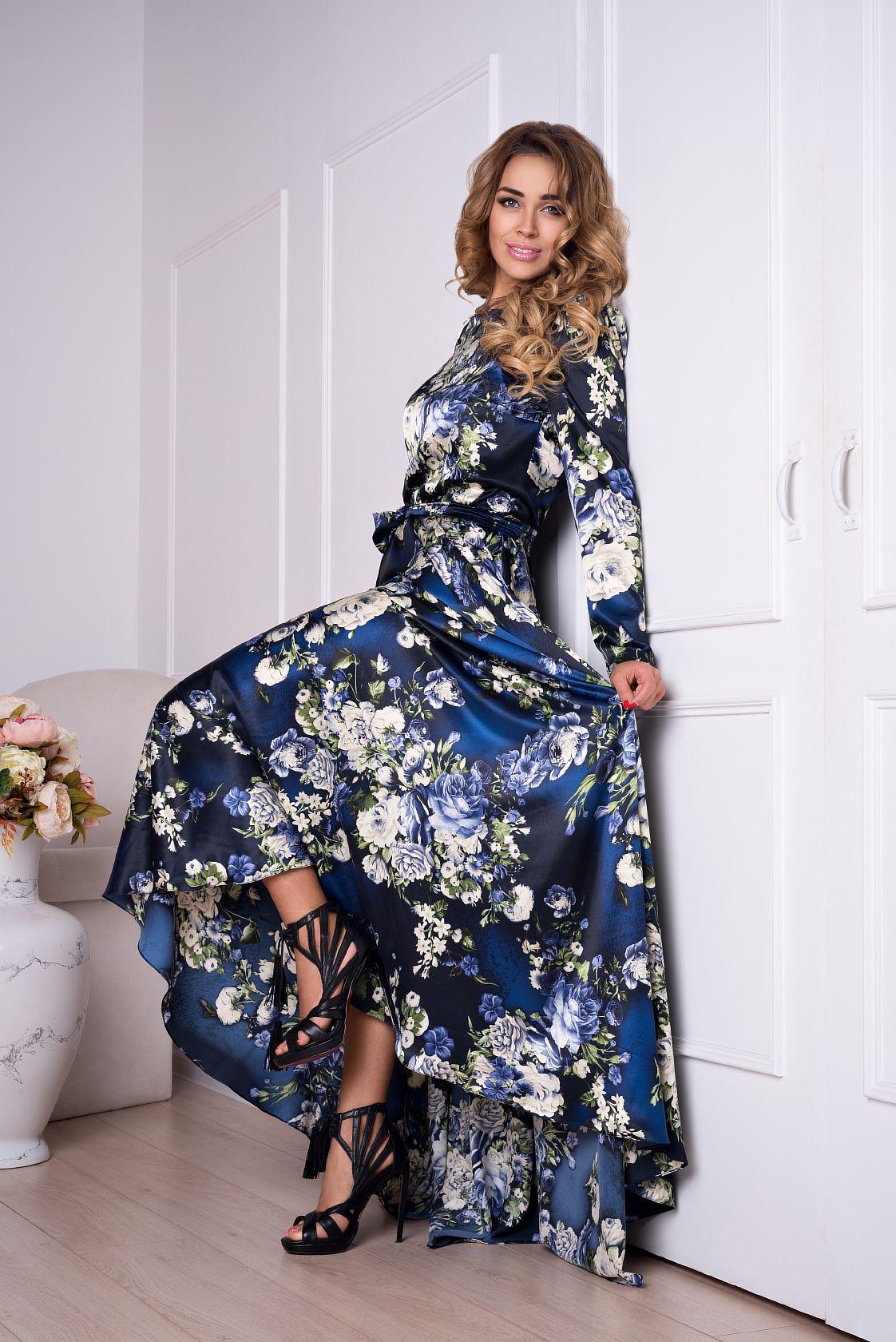 ПлатьеПлатья<br>Платье в пол с пышной юбкой солнце. Модель выполнена из гладкого атласа с цветочным принтом. Отличный выбор для любого торжества. Платье без пояса.  Длина от талии 110 см.  В изделии использованы цвета: синий, белый, зеленый и др.  Ростовка изделия 170 см.<br><br>Горловина: С- горловина<br>По длине: Макси<br>По материалу: Атлас,Вискоза<br>По рисунку: Растительные мотивы,С принтом,Цветные,Цветочные<br>По сезону: Весна,Зима,Лето,Осень,Всесезон<br>По силуэту: Приталенные<br>По стилю: Нарядный стиль,Вечерний стиль<br>По форме: Платье - трапеция<br>По элементам: С открытой спиной<br>Рукав: Длинный рукав<br>Размер : 40,42,44,46,48-50<br>Материал: Атлас<br>Количество в наличии: 5