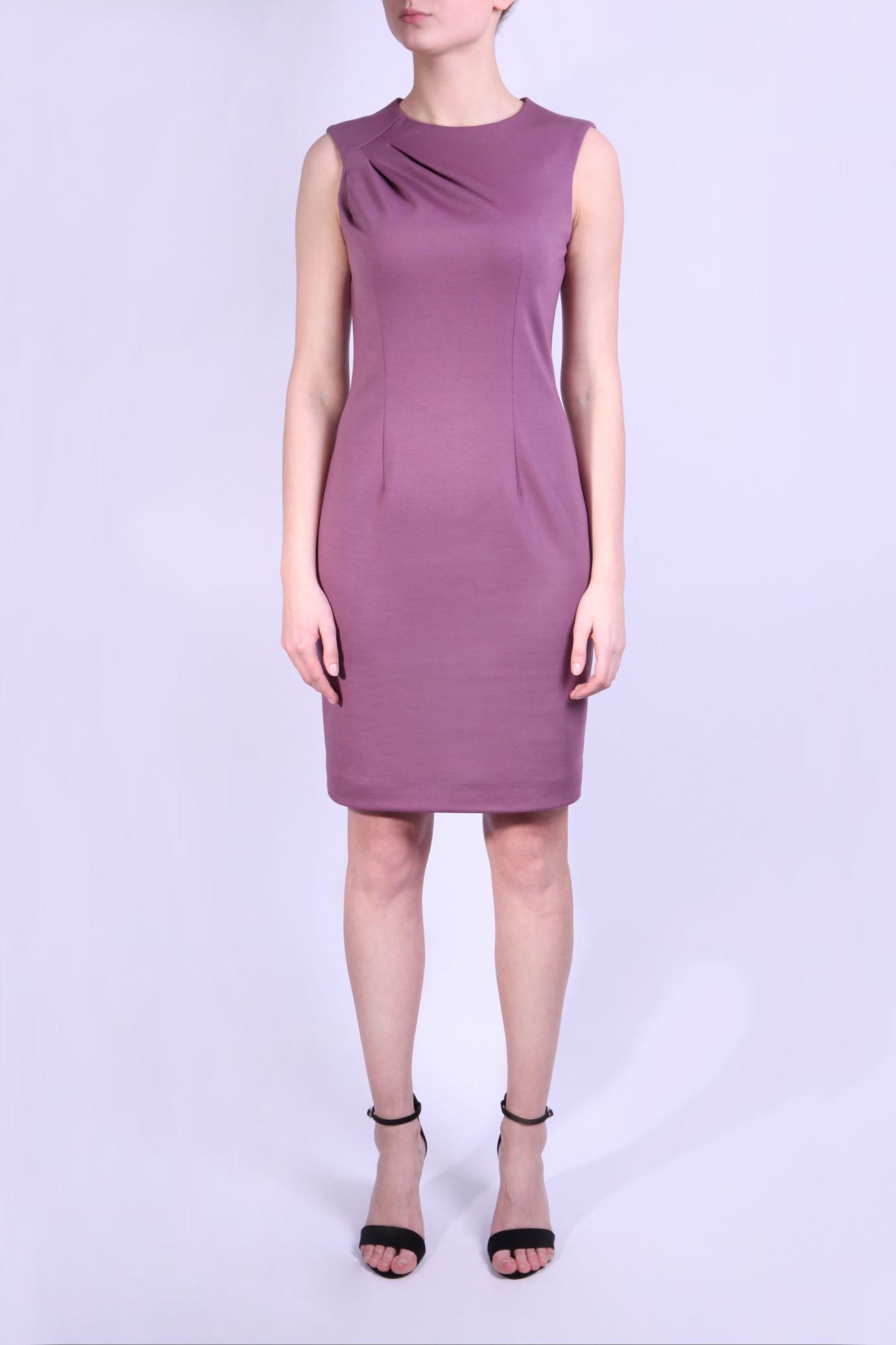 ПлатьеПлатья<br>Легкое платье без рукавов немного выше колена. На груди две оригинальные складки. Застежка типа молния скрыта в шве на спине. Это платье подойдет для повседневного ношения в теплое время года. Кофейный цвет платья создает теплое настроение.   Параметры размеров: Обхват груди размер 46 - 92 см, размер 48 - 96 см, размер 50 - 100 см Обхват талии размер 46 - 72 см, размер 48 - 76 см, размер 50 - 80 см Обхват бедер размер 46 - 100 см, размер 48 - 104 см, размер 50 - 108 см  Цвет: розовый  Ростовка изделия 164 см.<br><br>Горловина: С- горловина<br>По длине: До колена<br>По материалу: Трикотаж<br>По рисунку: Однотонные<br>По силуэту: Приталенные<br>По стилю: Повседневный стиль<br>По форме: Платье - футляр<br>По элементам: С декором,С разрезом,Со складками<br>Разрез: Короткий,Шлица<br>Рукав: Без рукавов<br>По сезону: Осень,Весна<br>Размер : 46,48,50<br>Материал: Джерси<br>Количество в наличии: 3