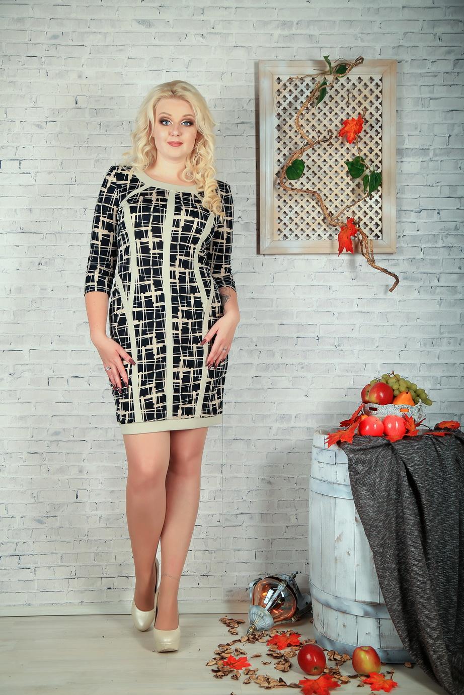 ПлатьеПлатья<br>Цветное платье с круглой горловиной и рукавами 3/4. Модель выполнена из приятного трикотажа. Отличный выбор для повседневного гардероба.  В изделии использованы цвета: бежевый, черный  Параметры размеров: 44 размер - обхват груди 84 см., обхват талии 72 см., обхват бедер 97 см. 46 размер - обхват груди 92 см., обхват талии 76 см., обхват бедер 100 см. 48 размер - обхват груди 96 см., обхват талии 80 см., обхват бедер 103 см. 50 размер - обхват груди 100 см., обхват талии 84 см., обхват бедер 106 см. 52 размер - обхват груди 104 см., обхват талии 88 см., обхват бедер 109 см. 54 размер - обхват груди 110 см., обхват талии 94,5 см., обхват бедер 114 см. 56 размер - обхват груди 116 см., обхват талии 101 см., обхват бедер 119 см. 58 размер - обхват груди 122 см., обхват талии 107,5 см., обхват бедер 124 см. 60 размер - обхват груди 128 см., обхват талии 114 см., обхват бедер 129 см.  Ростовка изделия 168 см.<br><br>Горловина: С- горловина<br>По длине: До колена<br>По материалу: Трикотаж<br>По рисунку: С принтом,Цветные<br>По силуэту: Полуприталенные<br>По стилю: Повседневный стиль<br>По форме: Платье - футляр<br>Рукав: Рукав три четверти<br>По сезону: Осень,Весна,Зима<br>Размер : 50,54<br>Материал: Трикотаж<br>Количество в наличии: 3