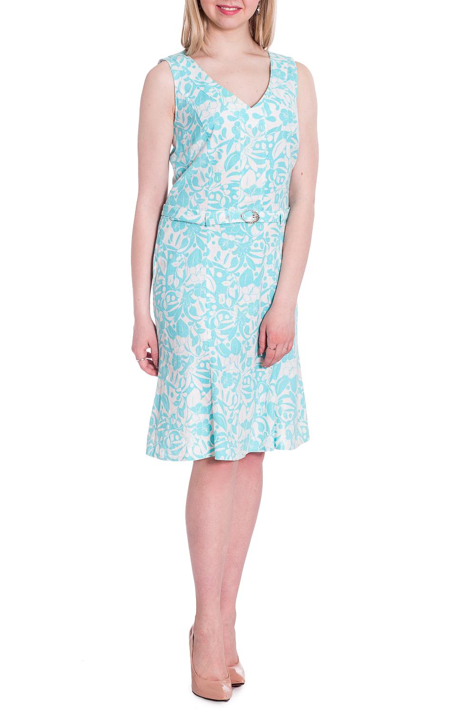СарафанСарафаны<br>Легкое летнее платье с V-образной горловиной. Модель выполнена из натурального льна. Отличный выбор для повседневного гардероба. Платье без пояса.  В изделии использованы цвета: голубой, белый  Рост девушки-фотомодели 170 см<br><br>Горловина: V- горловина<br>По длине: До колена<br>По материалу: Лен<br>По рисунку: Растительные мотивы,С принтом,Цветные,Цветочные<br>По силуэту: Приталенные<br>По стилю: Летний стиль,Повседневный стиль<br>Рукав: Без рукавов<br>По сезону: Лето<br>Размер : 50,52,54<br>Материал: Лен<br>Количество в наличии: 3