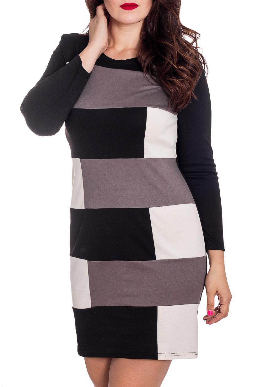 ПлатьеПлатья<br>Цветное женское платье с круглой горловиной и длинными рукавами. Модель выполнена из плотного трикотажа. Отличный выбор для повседневного гардероба.  В изделии использованы цвета: черный, серый, белый и др.  Рост девушки-фотомодели 180 см.<br><br>Горловина: С- горловина<br>По длине: До колена<br>По материалу: Вискоза,Трикотаж<br>По образу: Город<br>По рисунку: С принтом,Цветные<br>По сезону: Весна,Осень,Зима<br>По силуэту: Полуприталенные<br>По стилю: Повседневный стиль<br>По форме: Платье - футляр<br>Рукав: Длинный рукав<br>Размер : 46,52<br>Материал: Джерси<br>Количество в наличии: 2