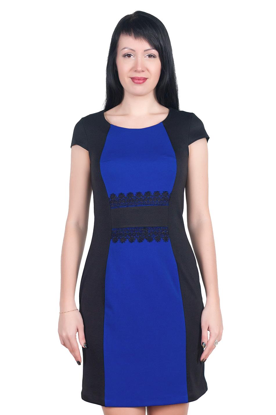 ПлатьеПлатья<br>Изумительное платье прилегающего силуэта с контрастными вставками по переду и декором из кружева. Невероятно стройнит и подчеркивает фигуру, скрывая недостатки.  Ростовка изделия 170 см.  Длина по спинке в размерах 44-48 составляет 93 см. В размерах 50-54 длина 102 см.  Длина рукава 10 см.  Цвет: черный, синий<br><br>По образу: Свидание,Город,Офис<br>По стилю: Офисный стиль,Повседневный стиль<br>По материалу: Вискоза,Трикотаж<br>По рисунку: Цветные<br>По сезону: Осень,Весна<br>По форме: Платье - футляр<br>По длине: До колена<br>Рукав: Короткий рукав<br>Горловина: С- горловина<br>Размер: 44,46,48,50,52<br>Материал: 50% вискоза 43% полиэстер 7% эластан<br>Количество в наличии: 5