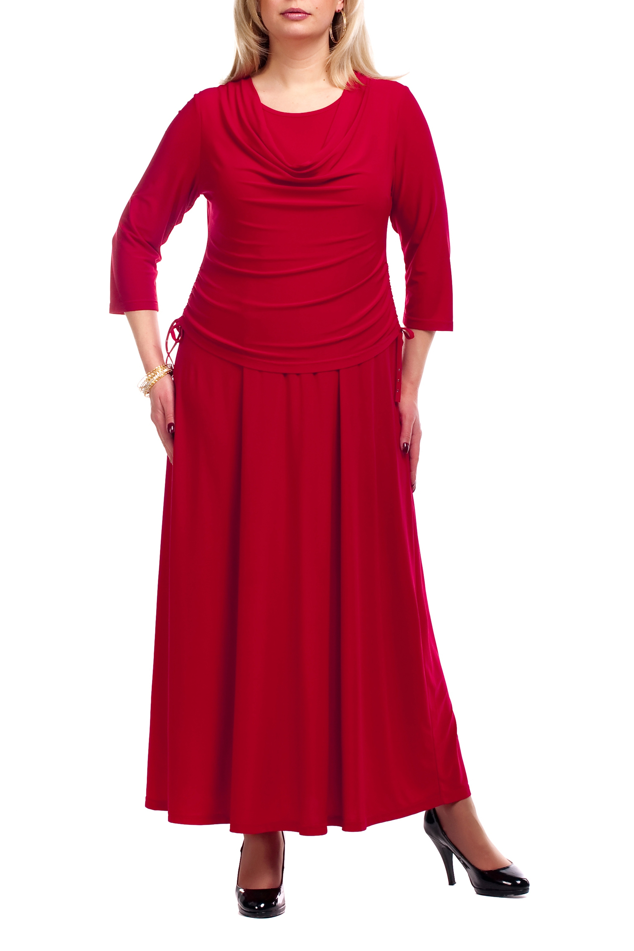 ПлатьеПлатья<br>Великолепное платье с небольшой драпировкой. Модель выполнена из струящегося трикотажа. Отличный выбор для любого торжества.  Цвет: красный  Рост девушки-фотомодели 173 см<br><br>Горловина: Качель,С- горловина<br>По длине: Макси<br>По материалу: Трикотаж<br>По образу: Свидание<br>По рисунку: Однотонные<br>По сезону: Весна,Всесезон,Зима,Лето,Осень<br>По силуэту: Полуприталенные<br>По стилю: Нарядный стиль,Повседневный стиль<br>По элементам: С декором,Со складками<br>Рукав: Рукав три четверти<br>Размер : 52,54,68<br>Материал: Холодное масло<br>Количество в наличии: 3
